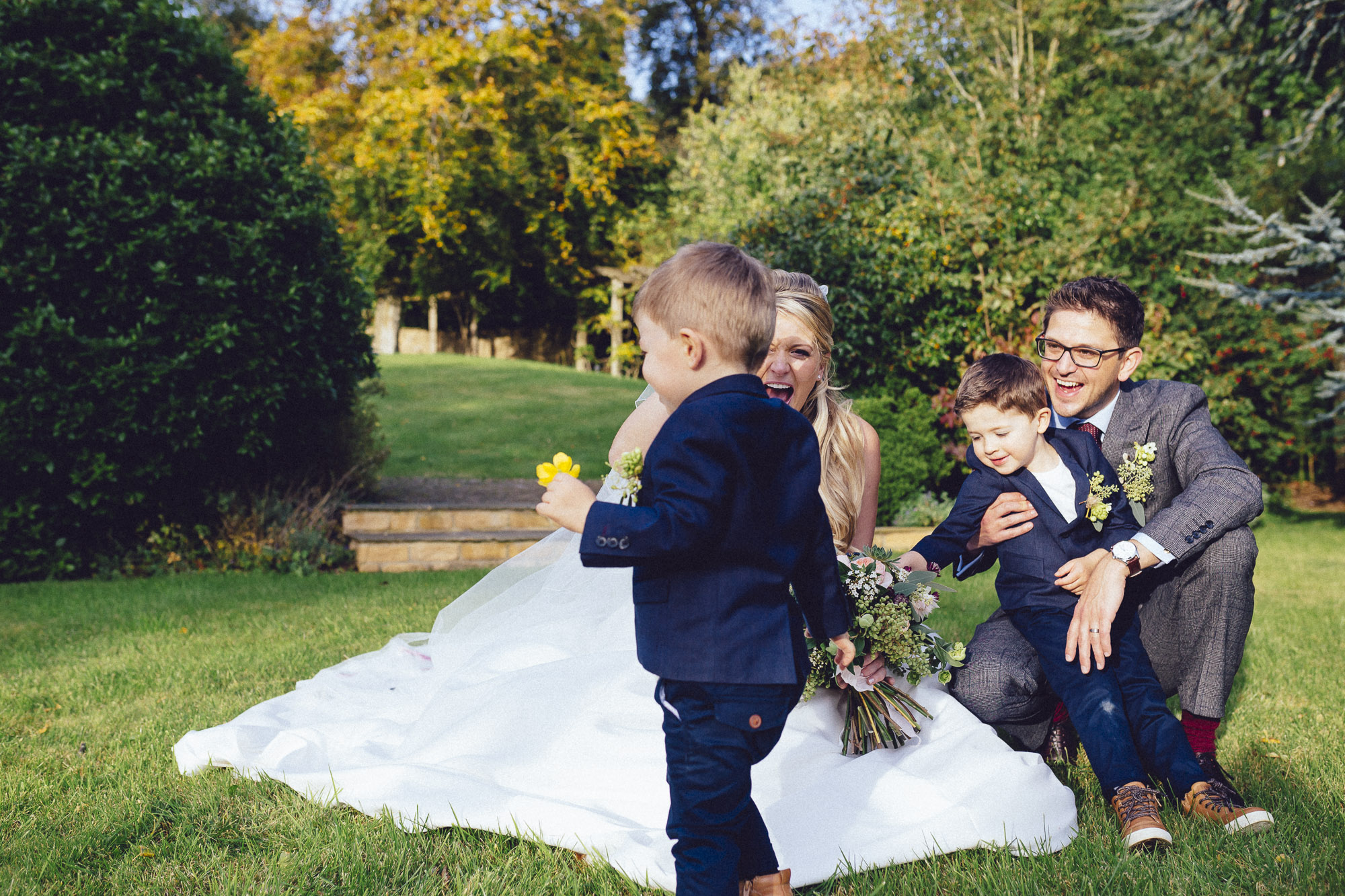 vibrant relaxed vibrant cotswold wedding-90.jpg