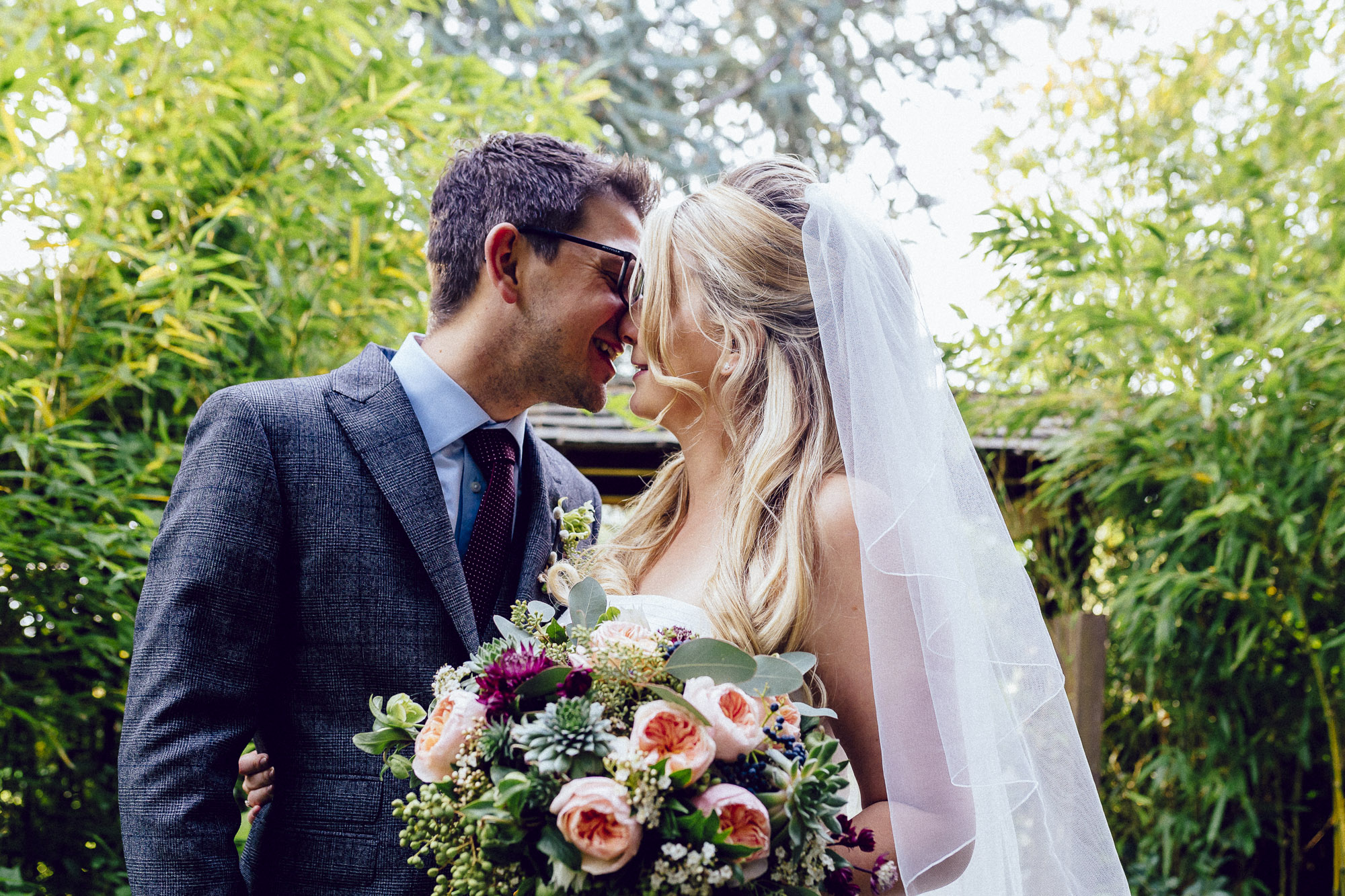 vibrant relaxed vibrant cotswold wedding-113.jpg