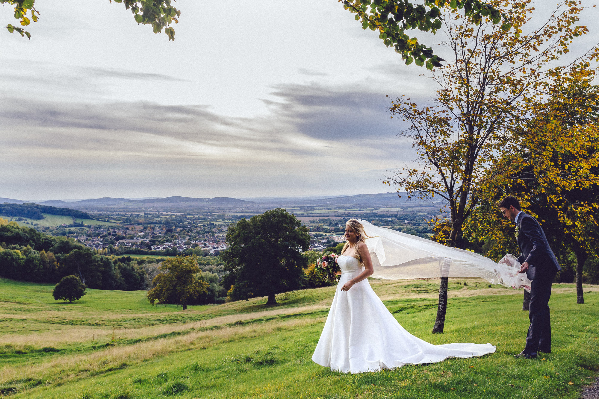 vibrant relaxed vibrant cotswold wedding-120.jpg