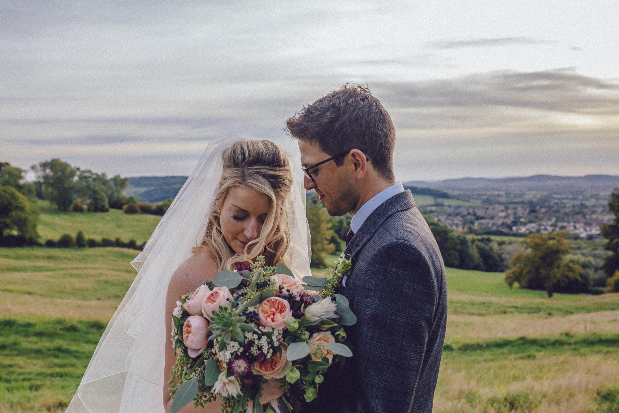 vibrant relaxed vibrant cotswold wedding-200.jpg