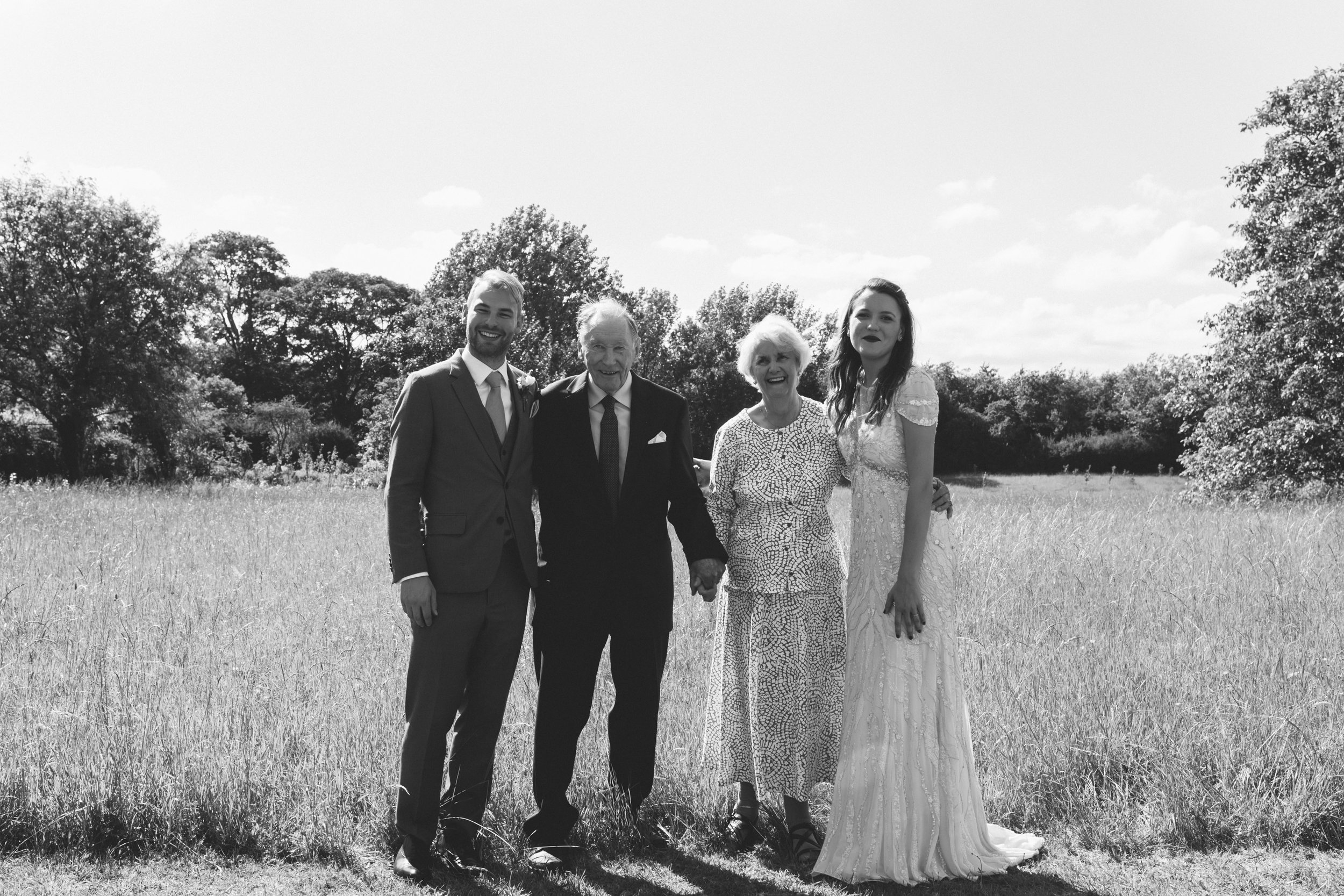 relaxed creative wedding photography
