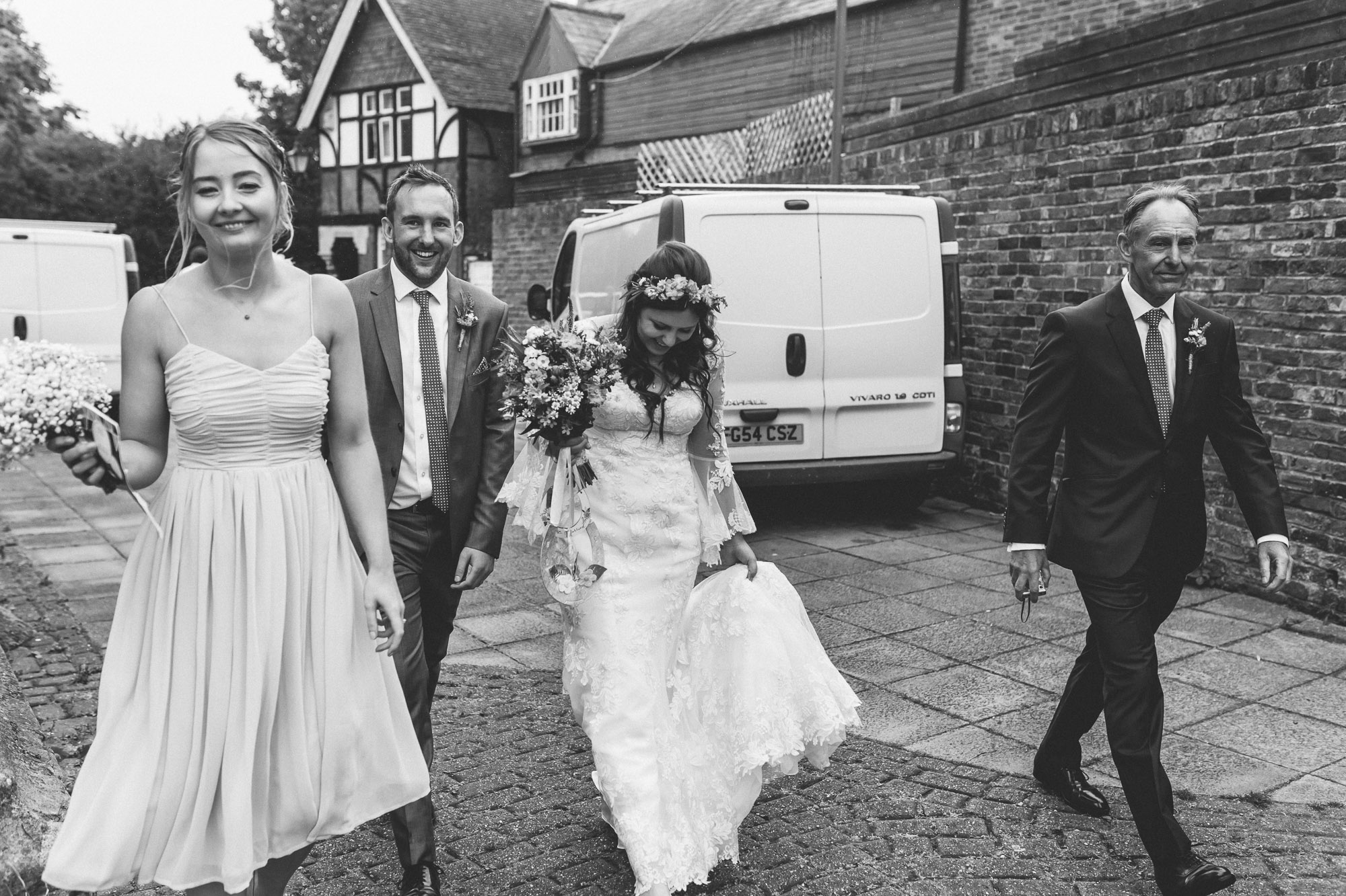 creative relxed birmingham wedding photography-28.jpg