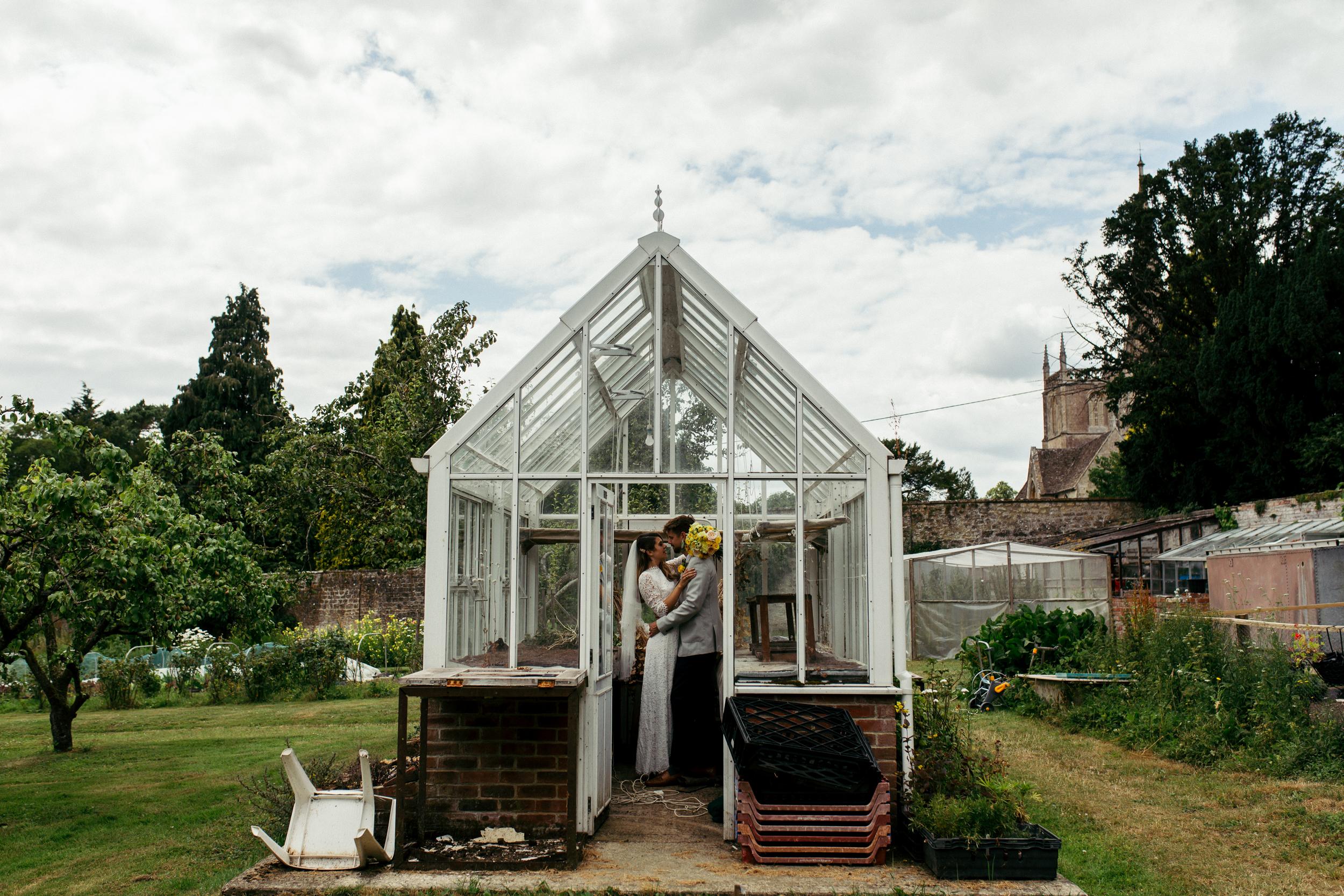 Faye Adam Purton House relaxed natural creative wedding photographer Birmingham0072.jpg