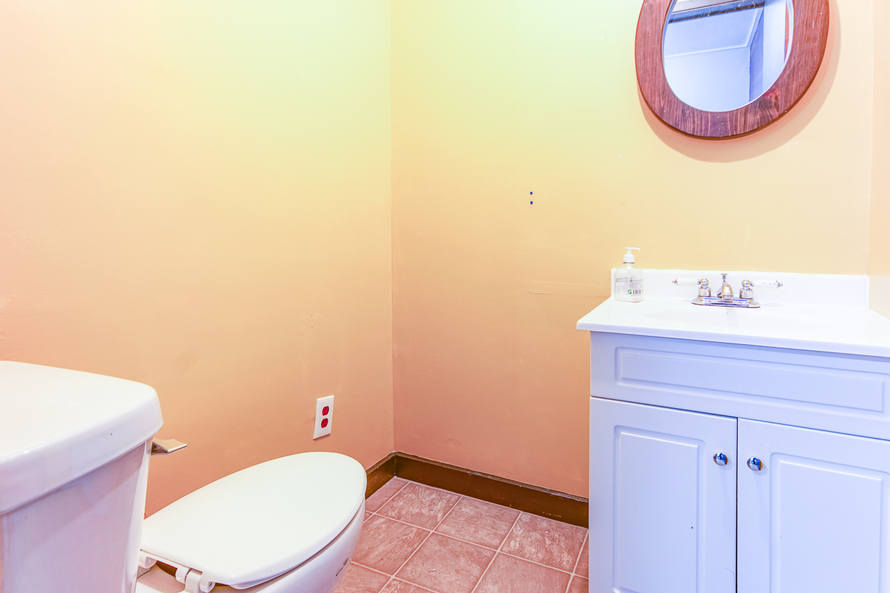 Commercial Unit - East - Bathroom