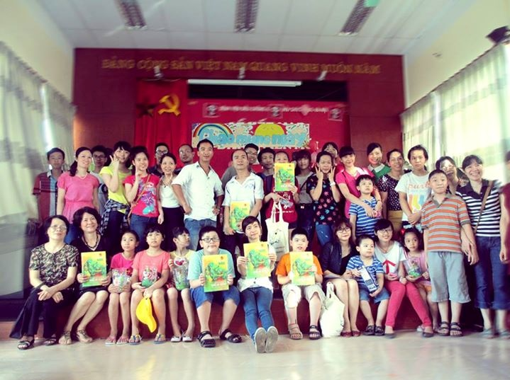 Picture: Drawing contest at Hoa Binh village