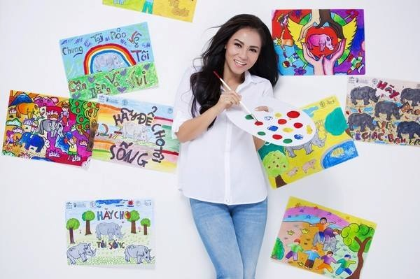Picture: Celebrity Thu Minh promoting Rhino Art Program.