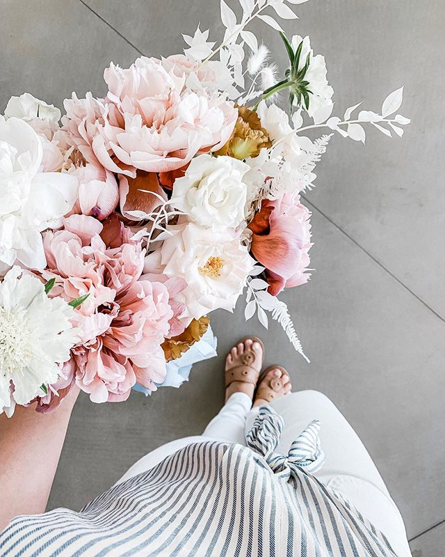 "It's a Perfect Day for a Peony Filled Bouquet || Let's do this. Shawna of the @wilddahlia_ introduced me to these ""brownie"" peonies a couple weeks ago at our recent editorial in this stunningly composed bouquet and now I want them everywhere. Good thing our bride Nicole loves them as much as I do — wait until you see them in her beautiful bouquet 😍"
