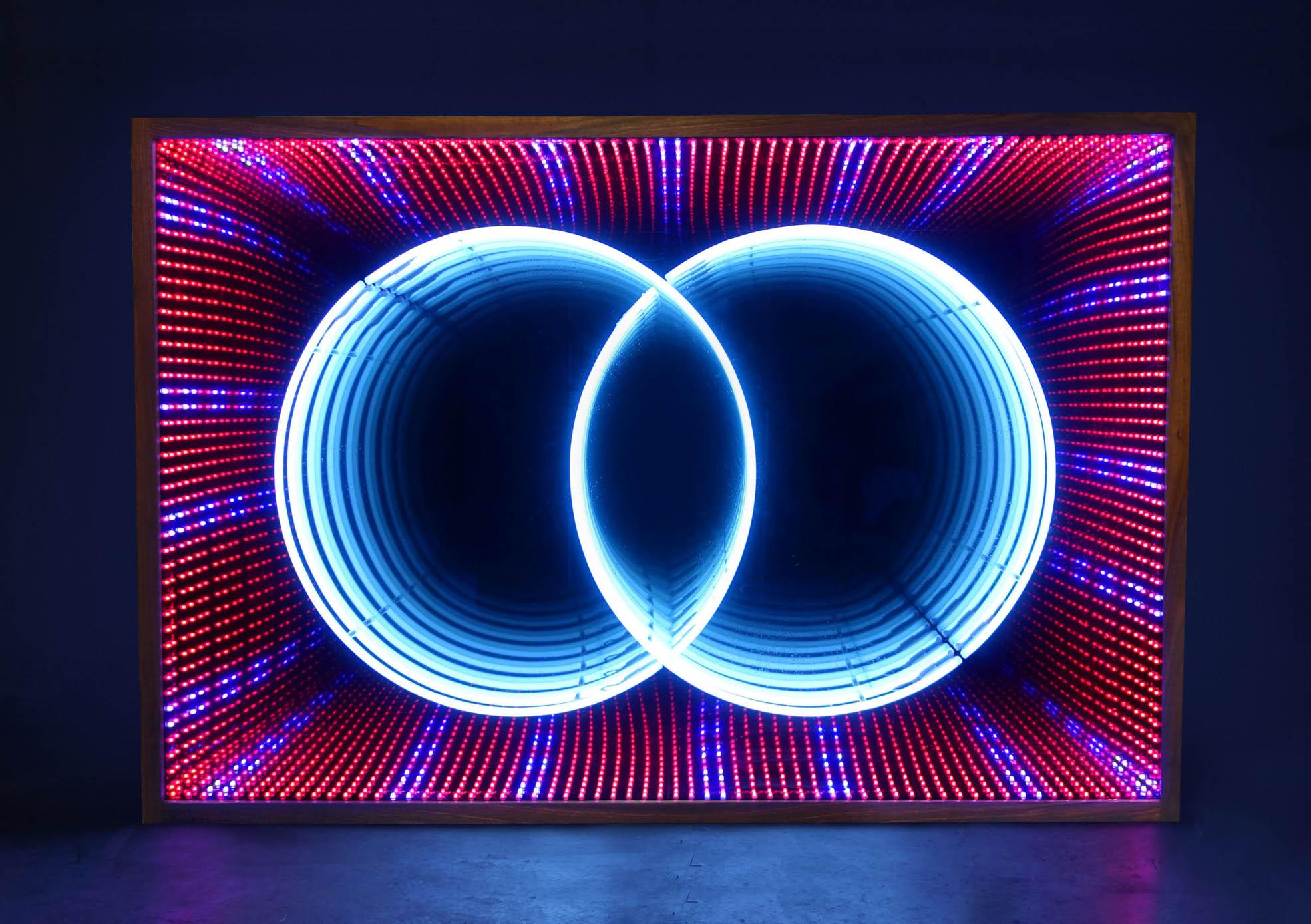 neon-light-infinity-mirror-lightbox-art-cropped-sam-smyth.jpg