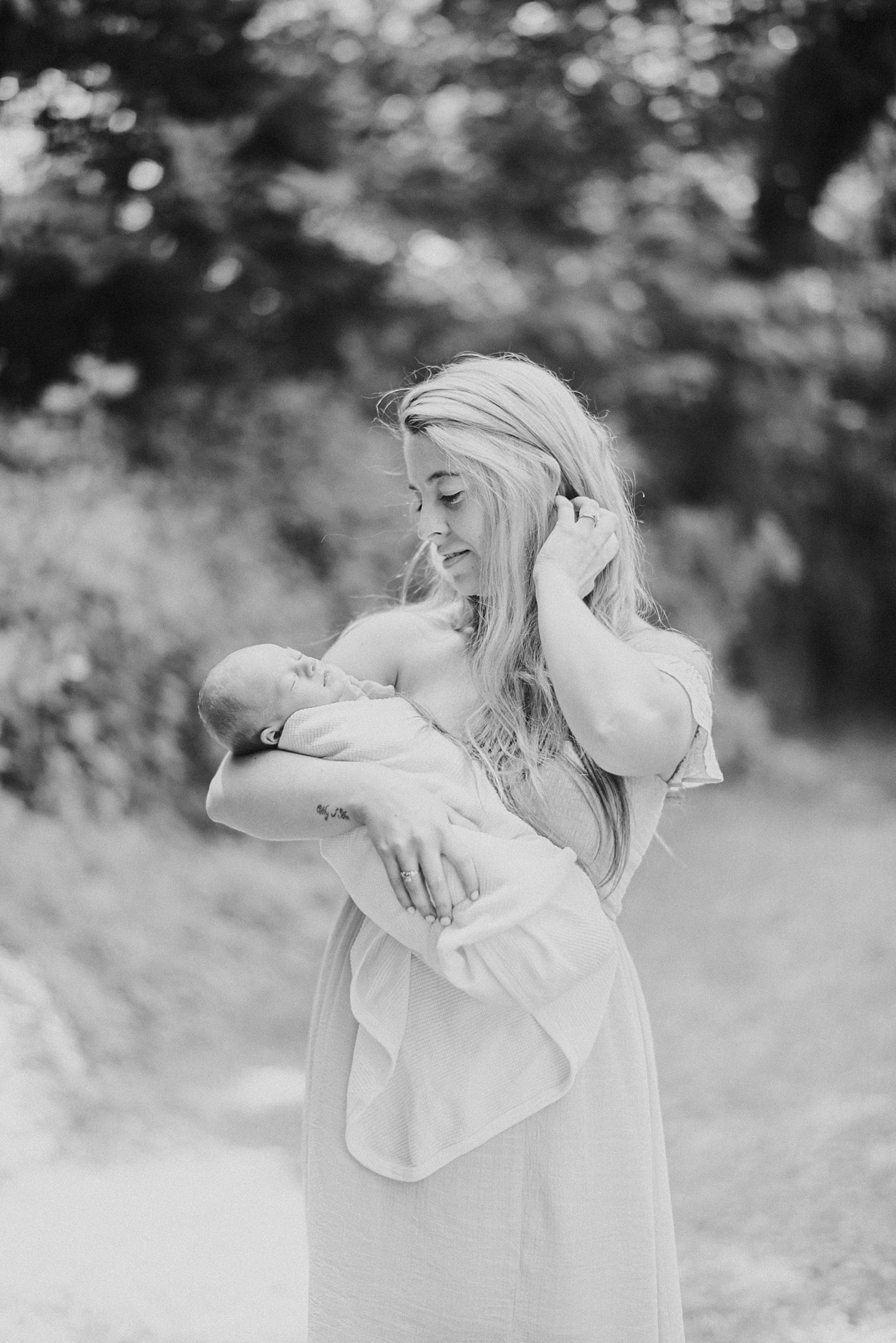 Natural-In-Home-Lifestyle-Newborn-Family-Photographer-Pittsburgh-Rachel-Rossetti-Photography_0015.jpg