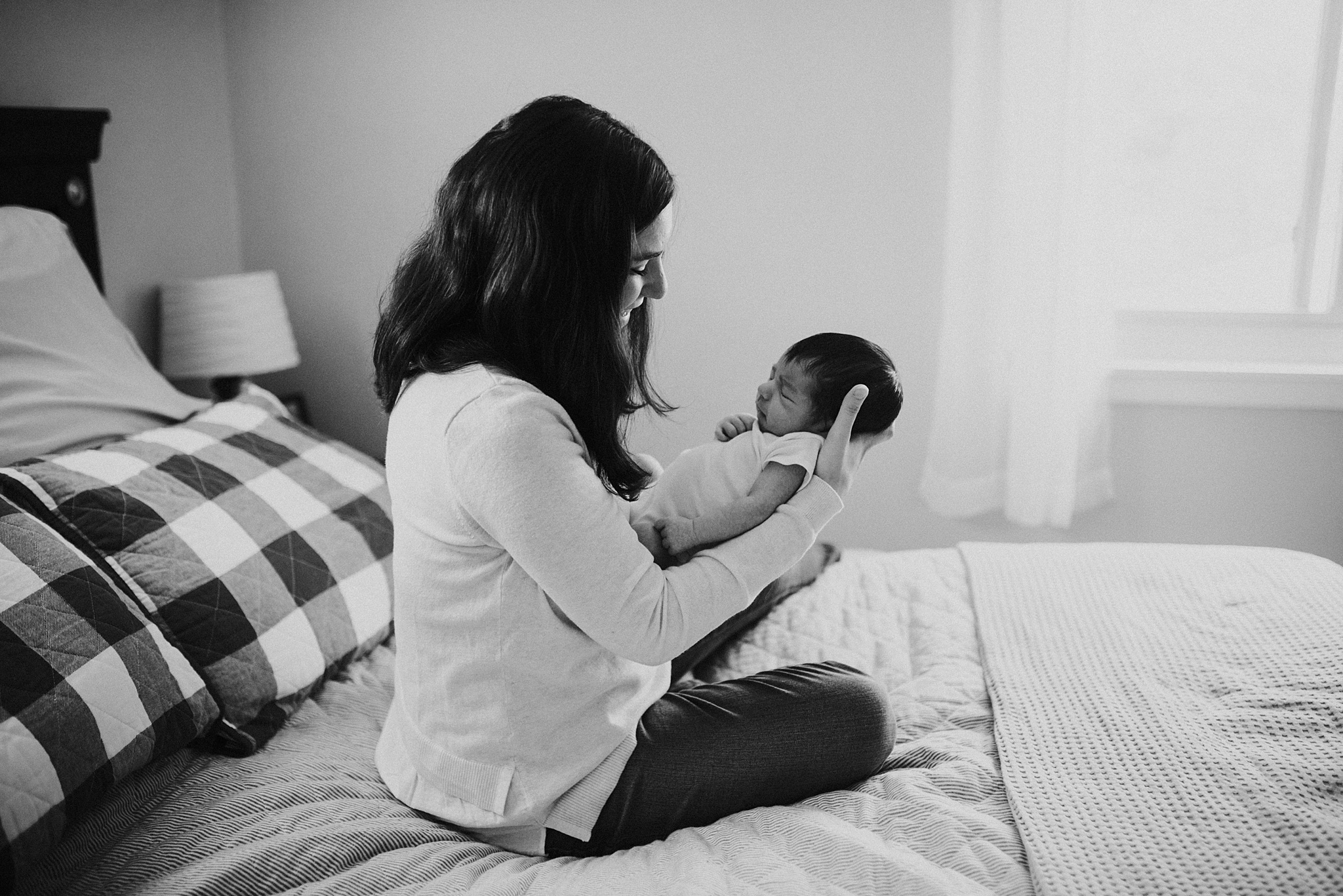 Natural-In-Home-Lifestyle-Newborn-Family-Photographer-Pittsburgh-Rachel-Rossetti-Photography_0024.jpg