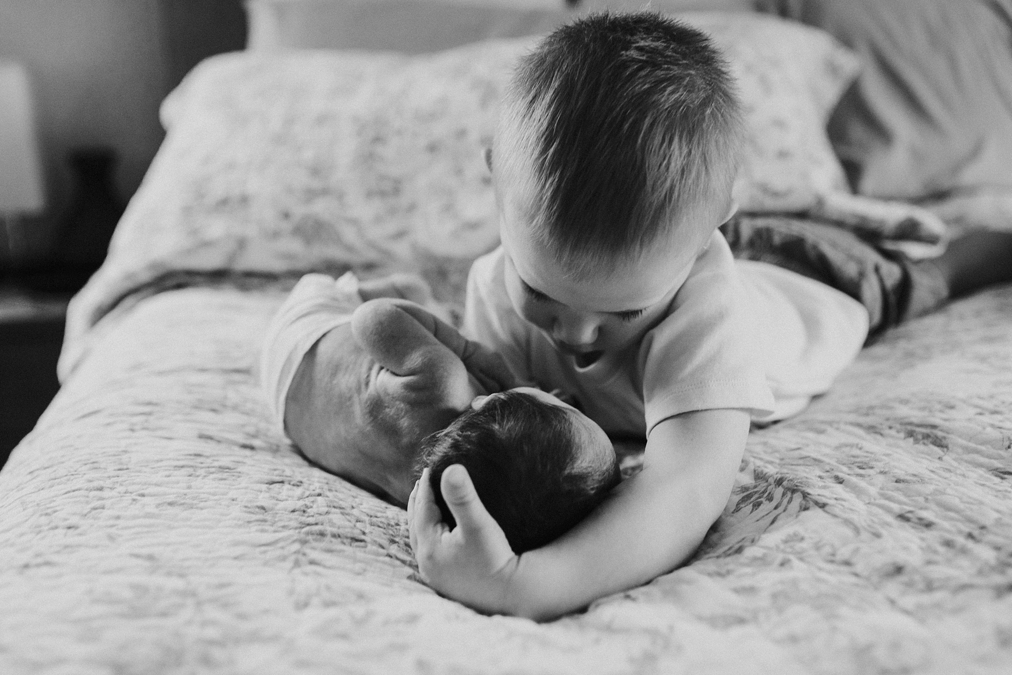 Natural-In-Home-Lifestyle-Newborn-Family-Photographer-Pittsburgh-Rachel-Rossetti-Photography_0054.jpg