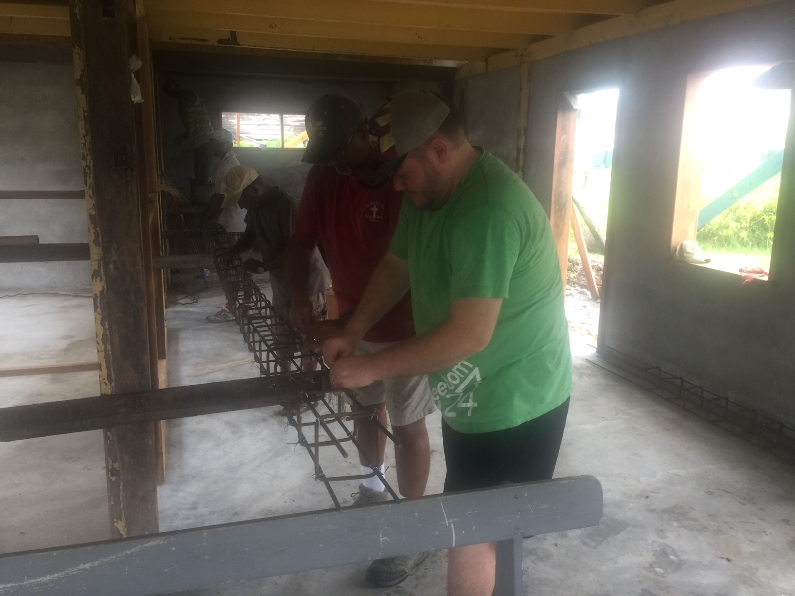 Andy & Josh tying steel.JPG