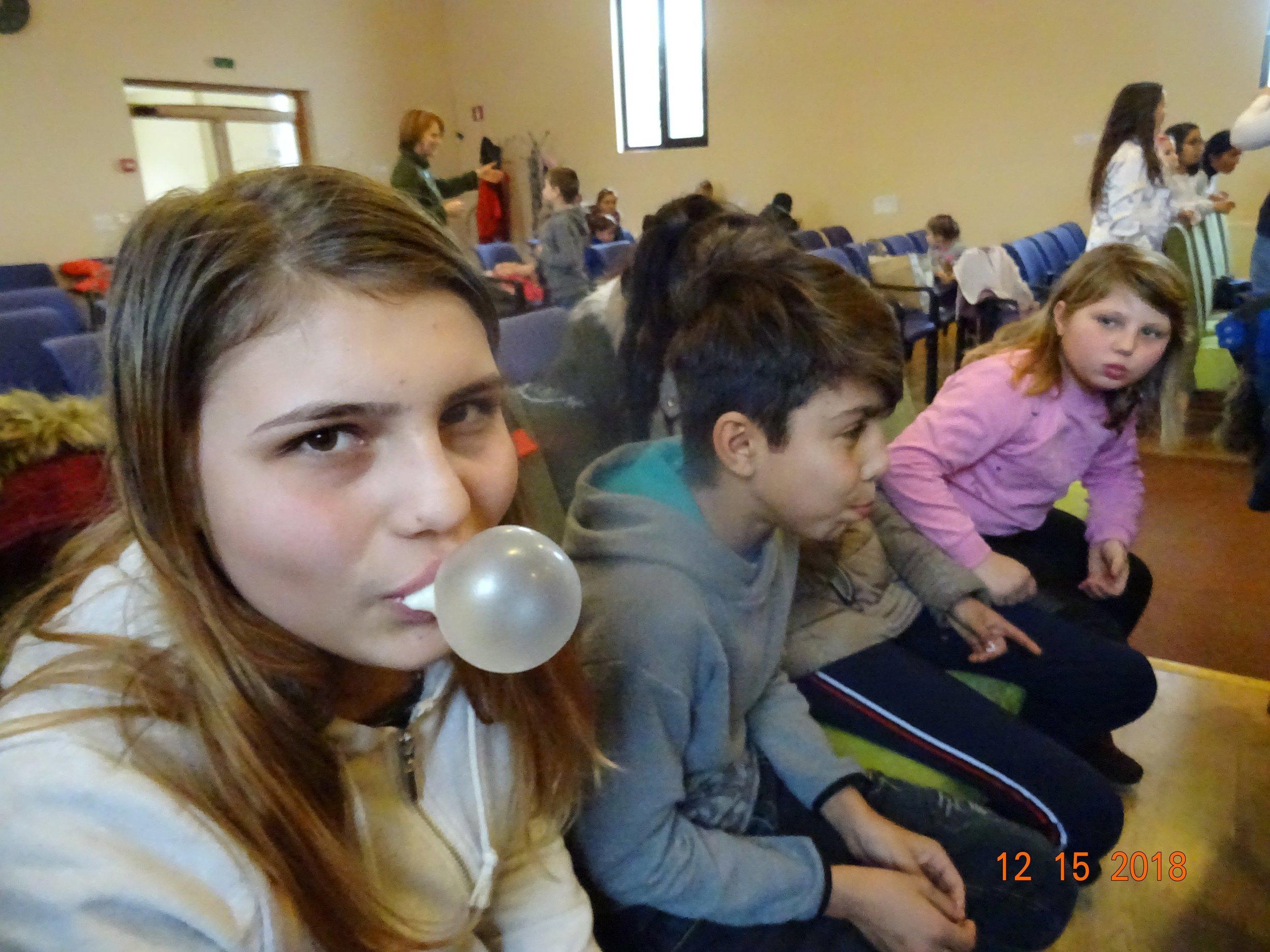 buble gum contest.jpg