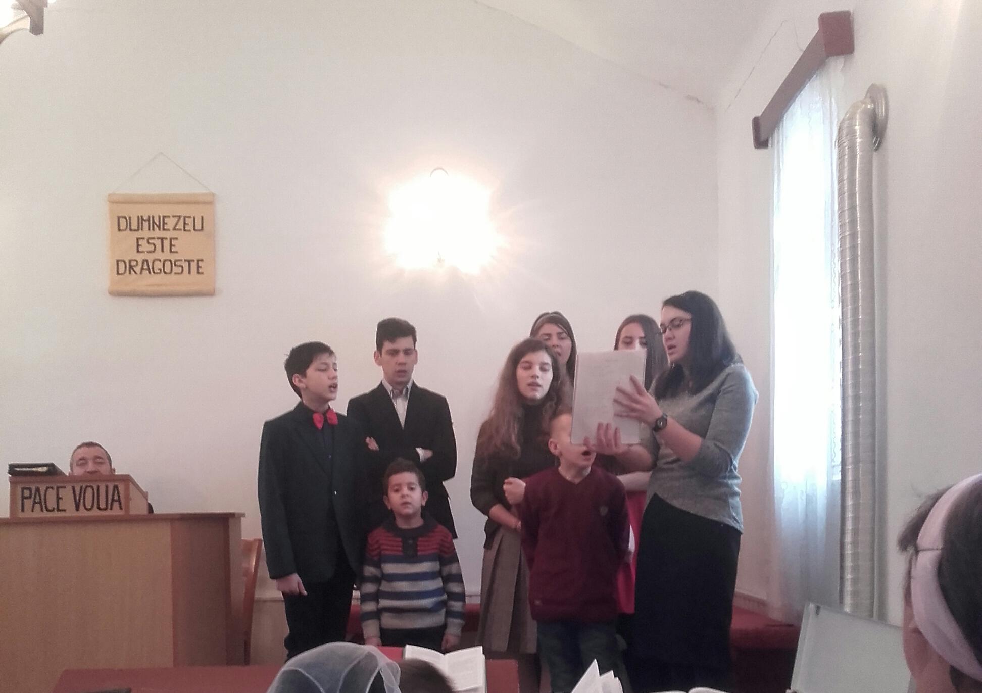 Inchinare_tinerii de la Bucerdea Granoasa.jpg