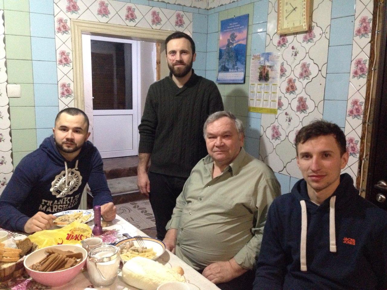 Fratele diacon Mihail din biserica  Mariinca cu fratii nostri..jpg