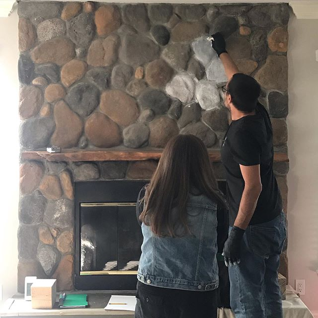 Oh no big deal...just whitewashing an entire floor to ceiling river rock fireplace and hoping we get it right. 🤞🏻 . . . . . #designfun #trialanderror #interiordesign #interiordesigner #interiordecorating #interior_design #paintitallwhite #revamprestylereveal #remodeling #homeremodeling