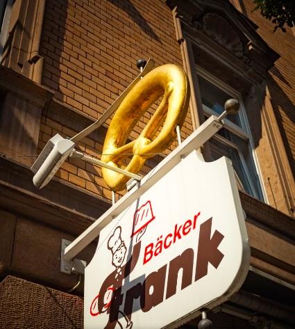 The golden pretzel of Bäckerei Frank .