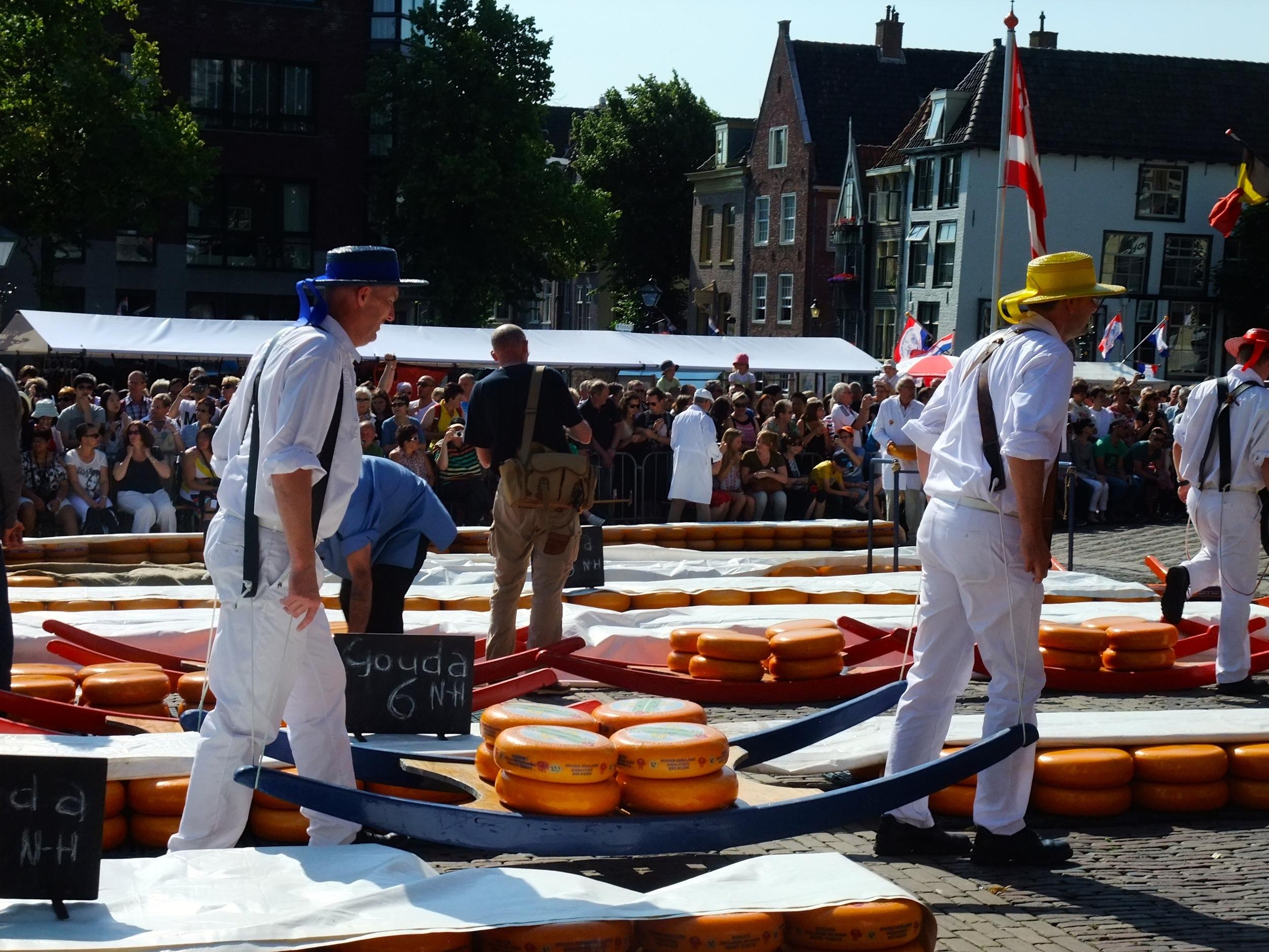 Alkmaar cheese carriers