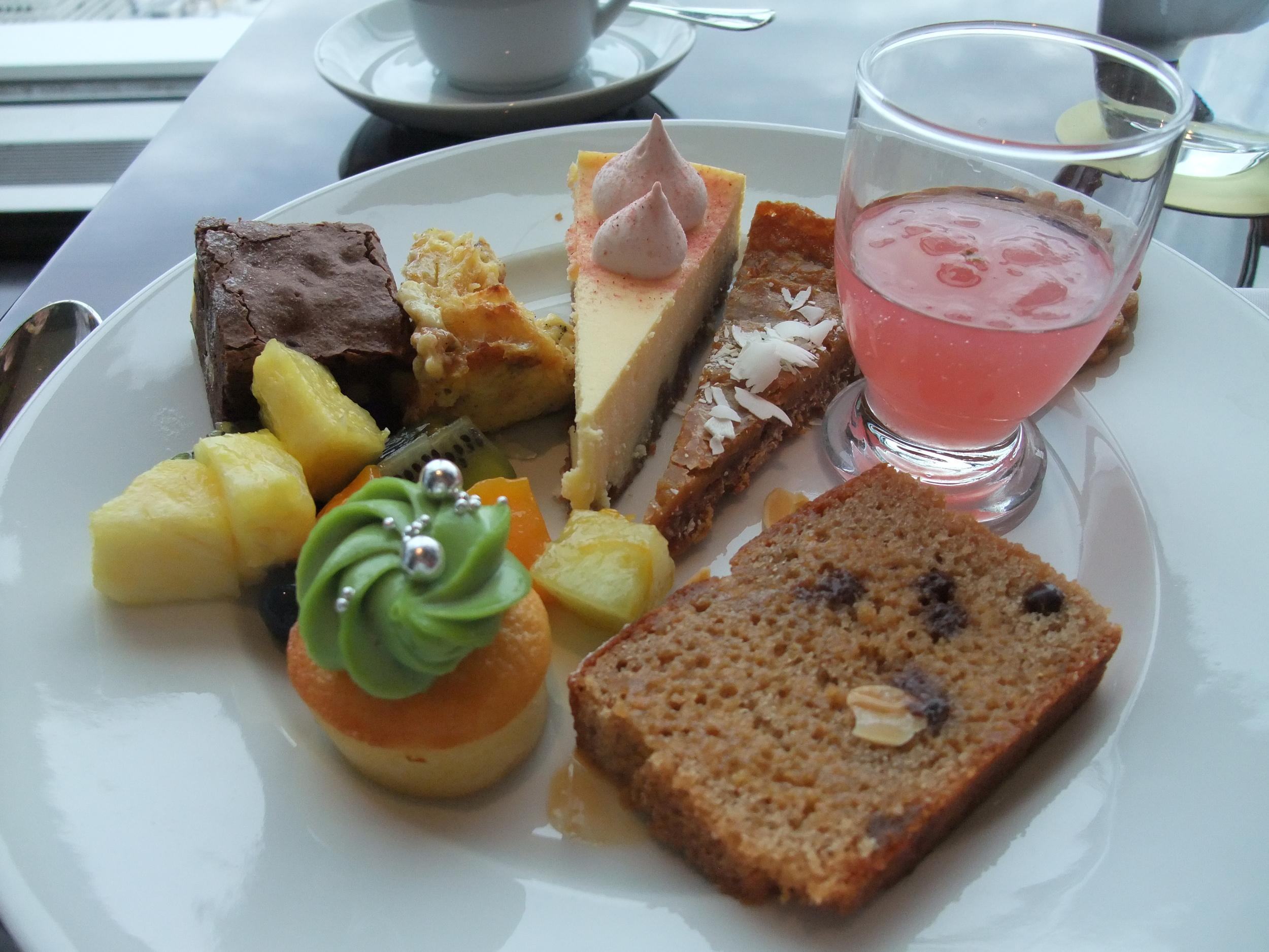 Dessert brunch buffet at the Park Hyatt Tokyo