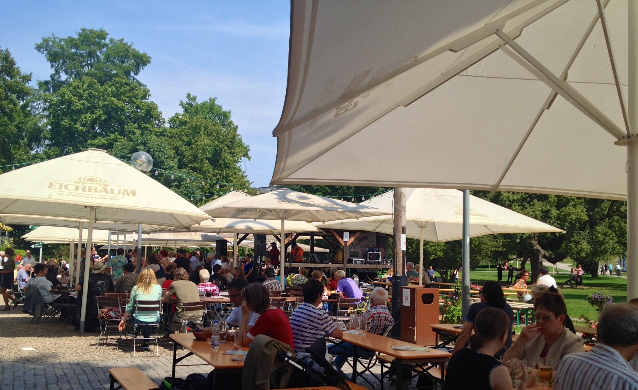 Picnic tables and benches at the Biergarten im Schlossgarten