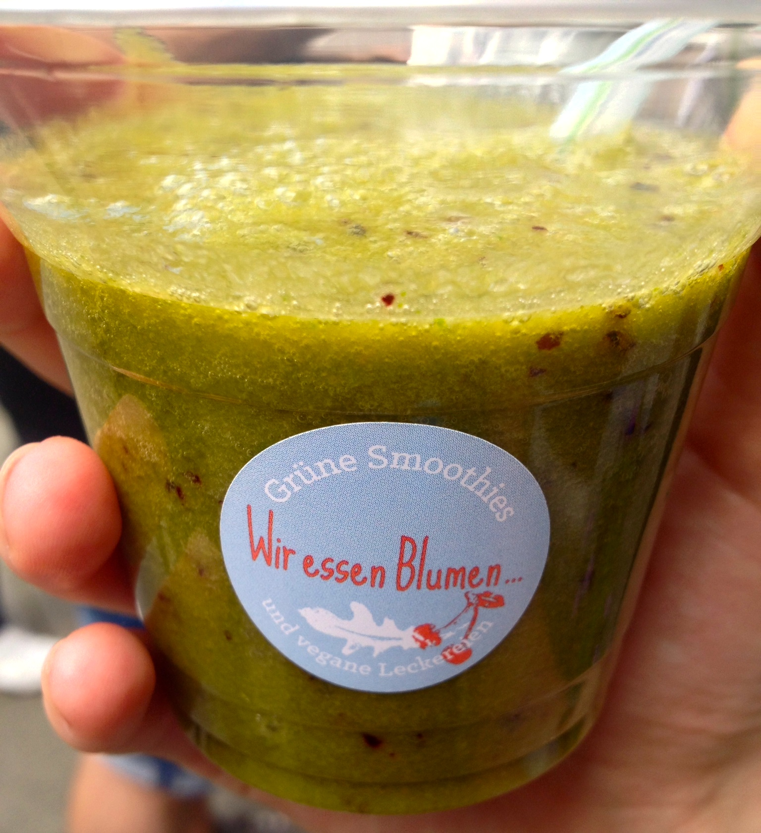 Green smoothie from  Wir essen Blumen