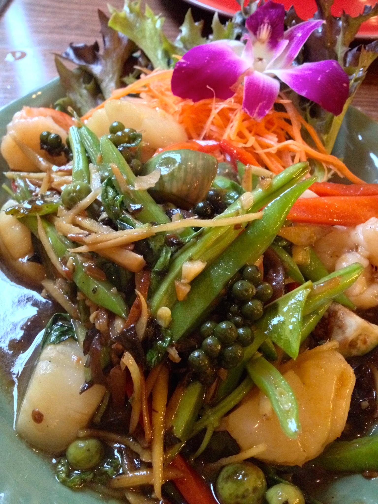 Close-up of my  Seafood Pad Dschaa  with shrimp and scallops
