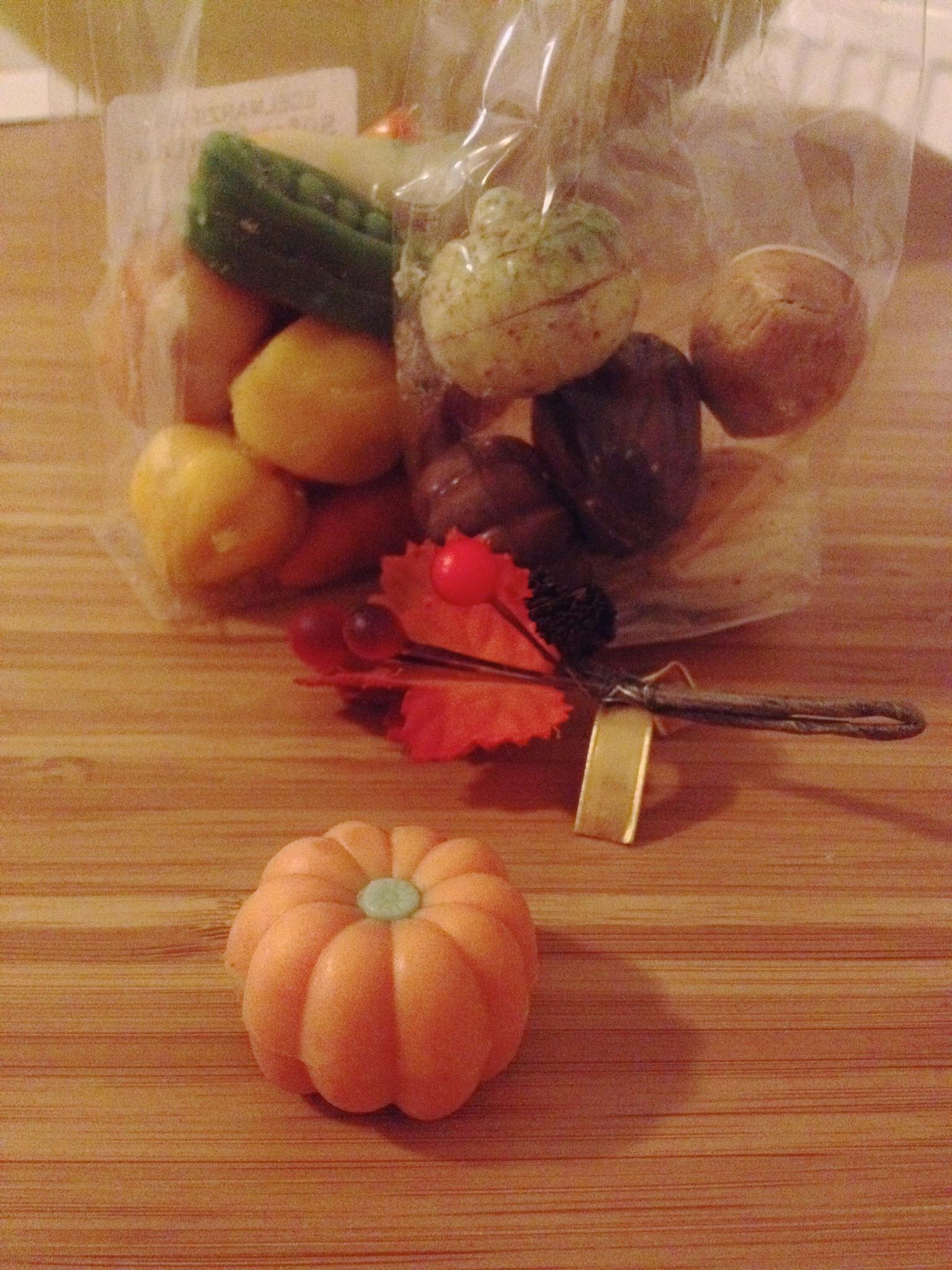 Praline pumpkins and marzipan vegetables
