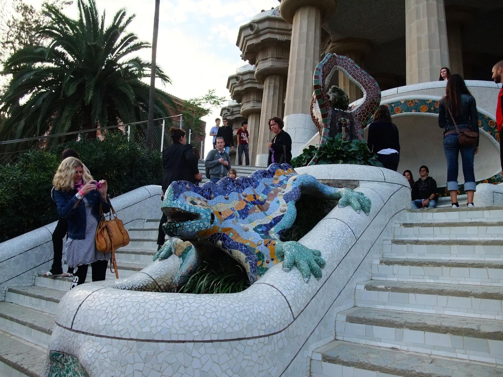 The mosaic salamander inside Park Güell
