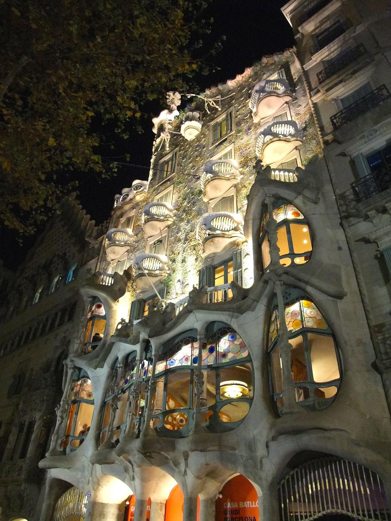 The façade of Casa Batlló