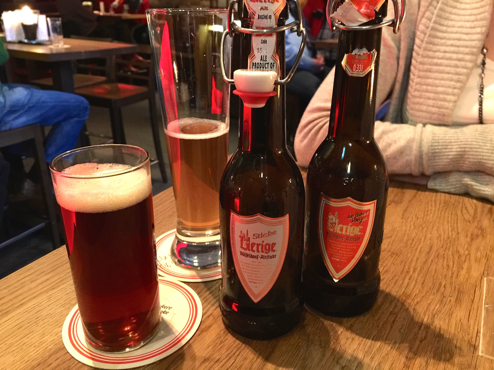 """Uerigebeer with a """" bierchen """" size on the left"""