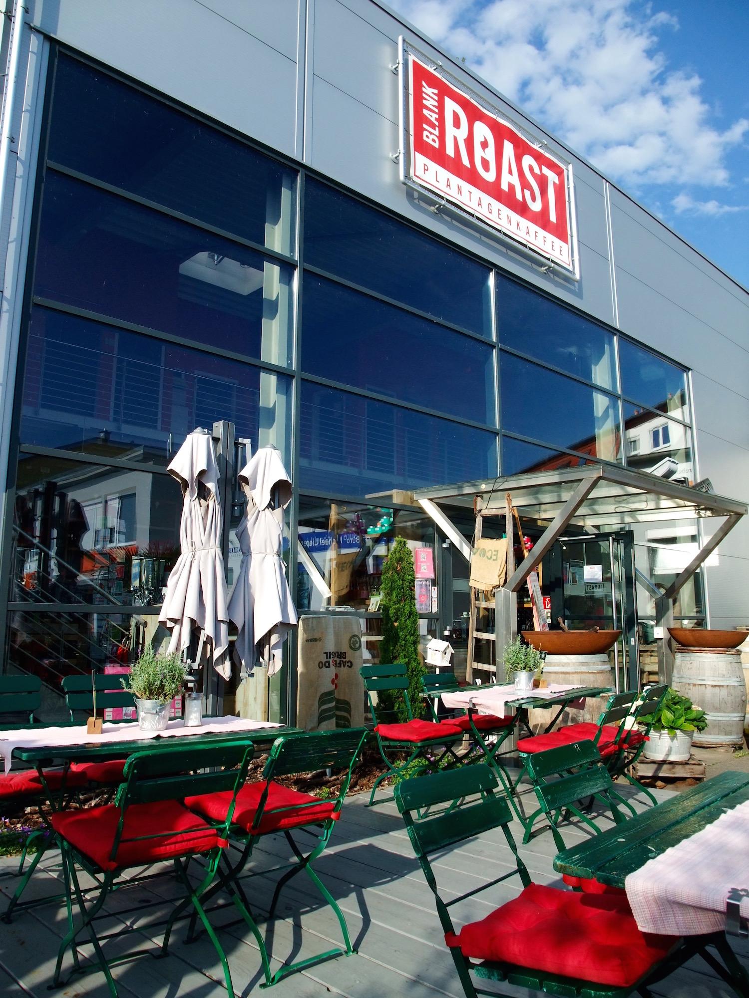The patio outside of Blank Roast Kaffeemanufaktur
