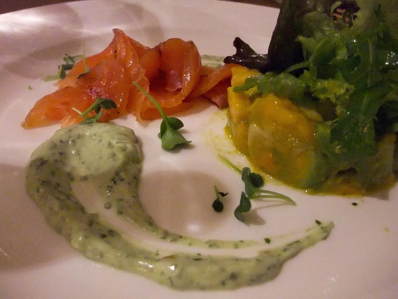 Smoked salmon appetizer with mango-avocado salad