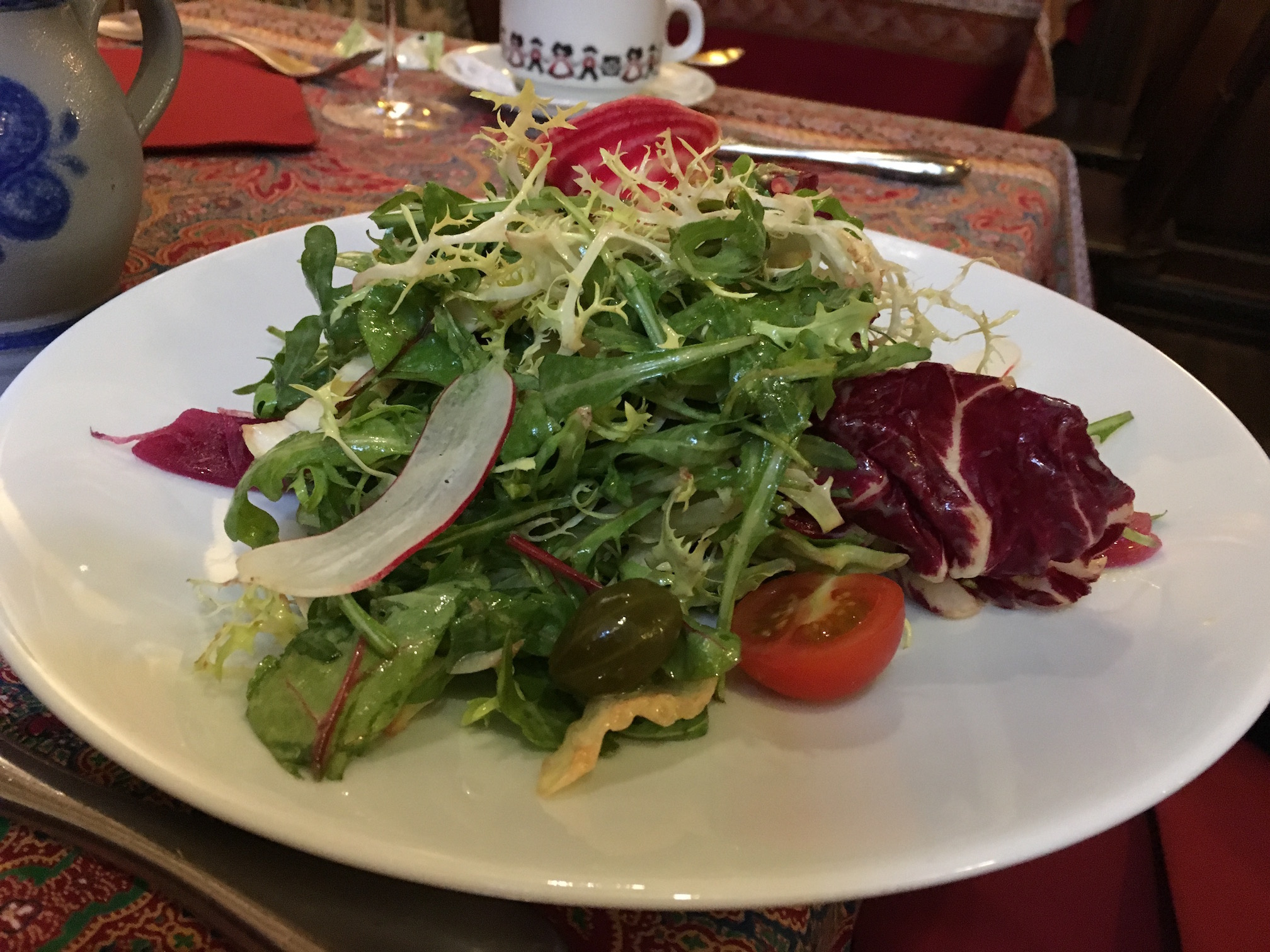A green salad  at   Chez Yvonne