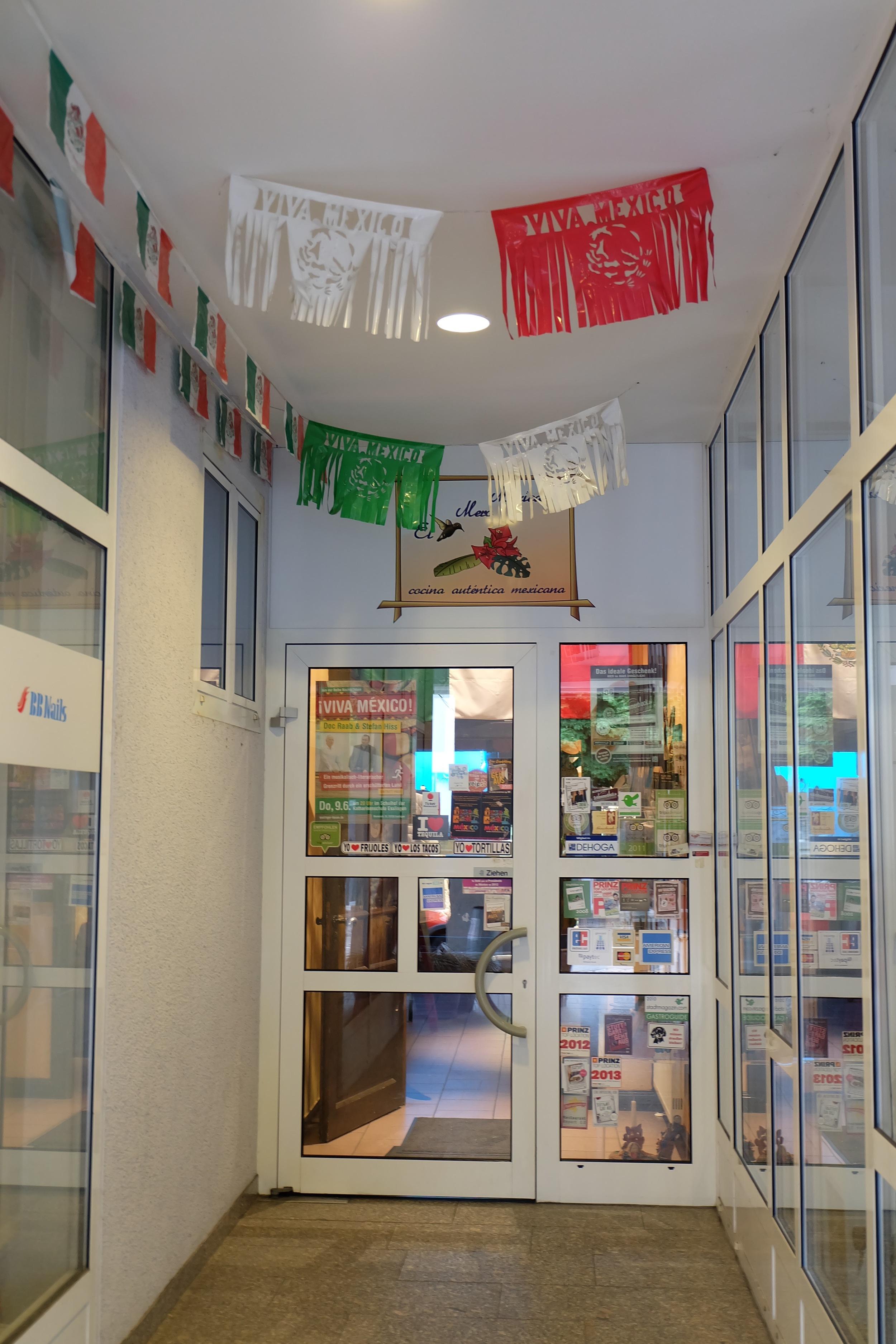 The entrance to  El Mero Mexicano