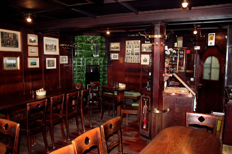 The cozy interior of the restaurant (photo courtesy of their website)
