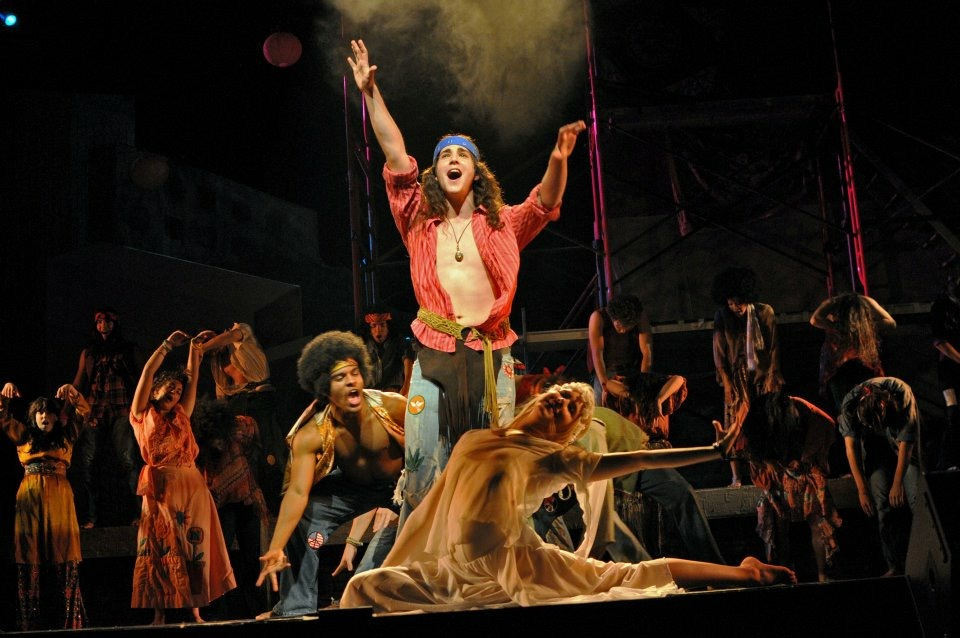 Adam Kaplan and Ginna Claire Moffat in HAIR at Elon University