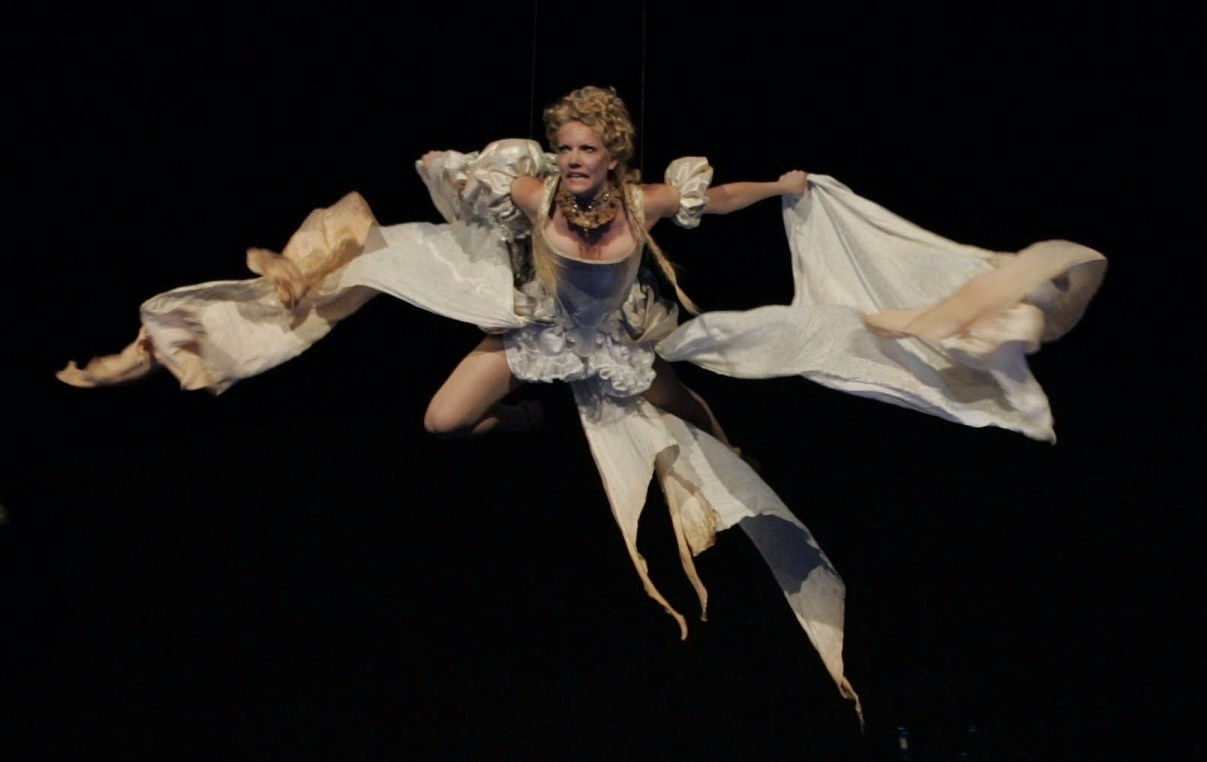 Jenifer Foote in  Dracula