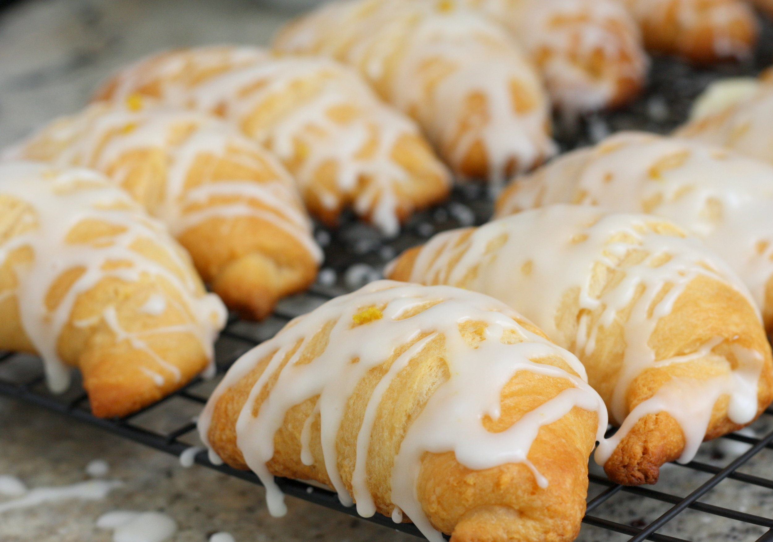 Lemon Cheesecake Crescent Rolls6.JPG