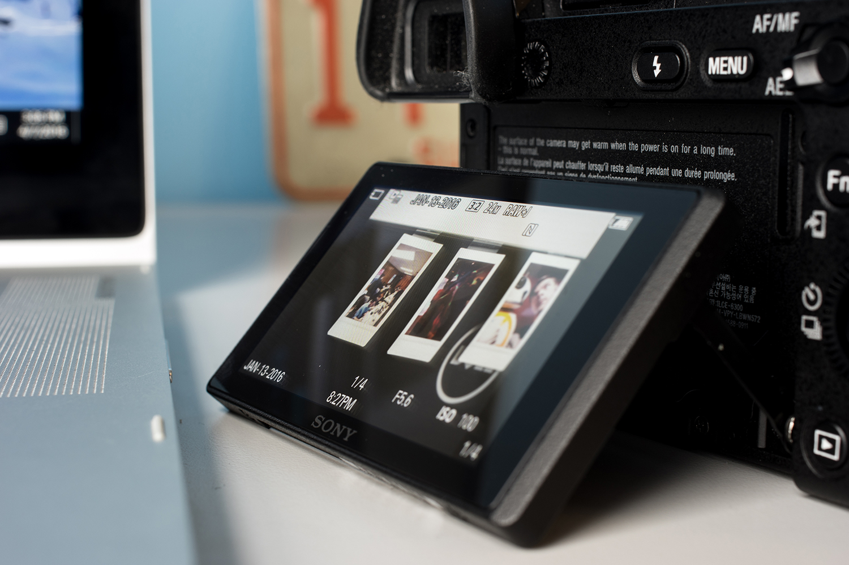 Sony-Alpha-A6300-Design-Rear-LCD.jpg