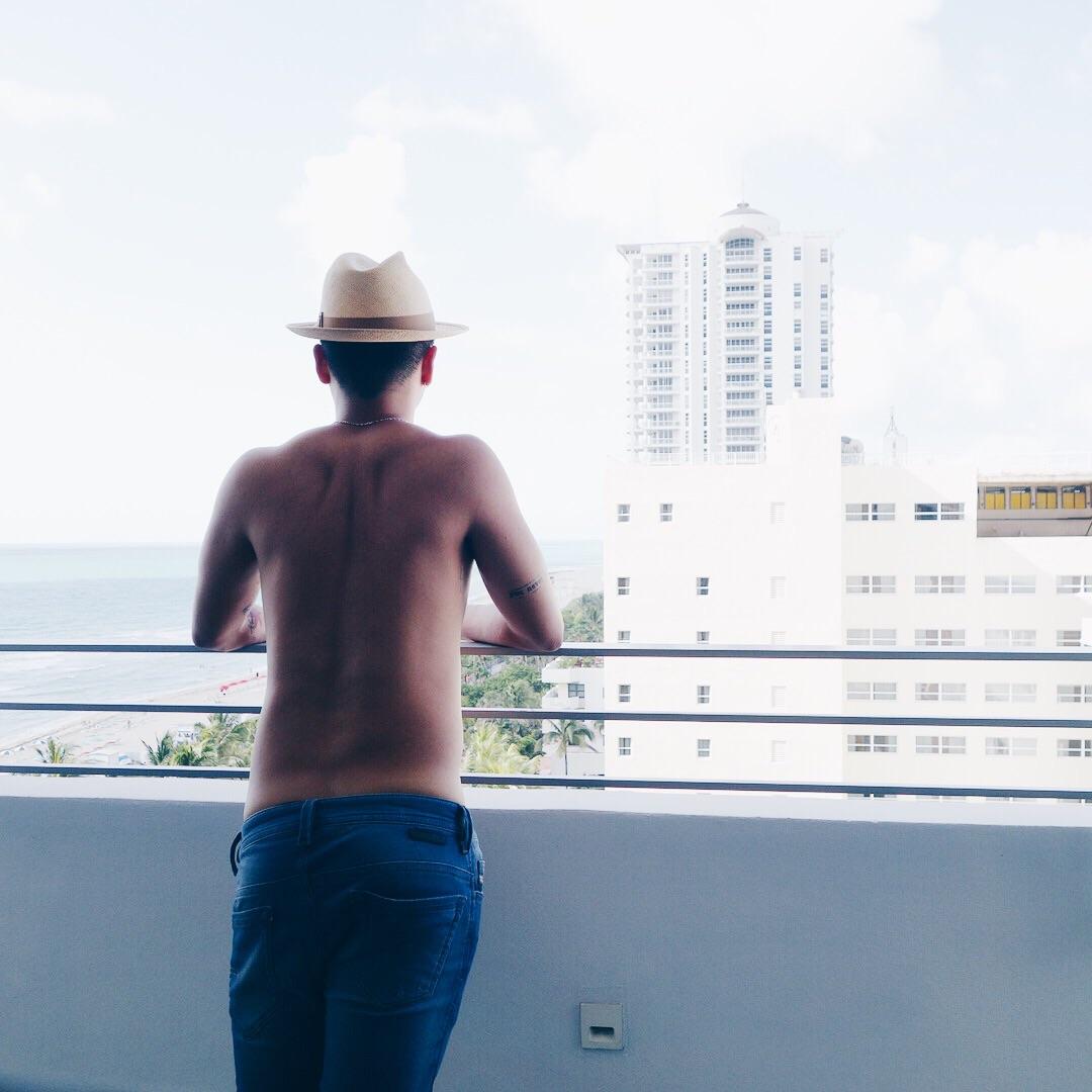 暑いマイアミにも、スウェットだから履いてても嫌な履き心地にはならない!
