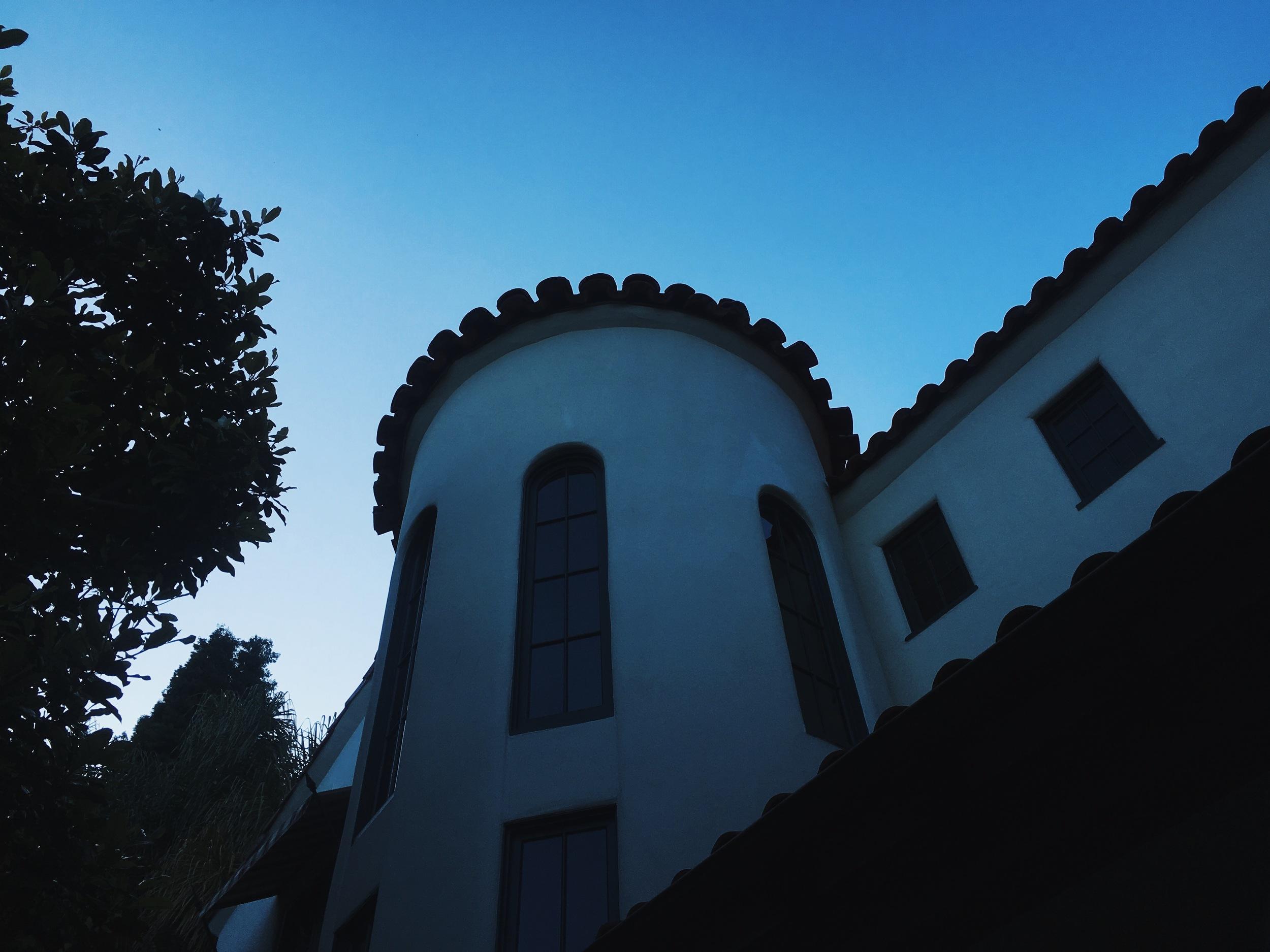 LA自宅にて
