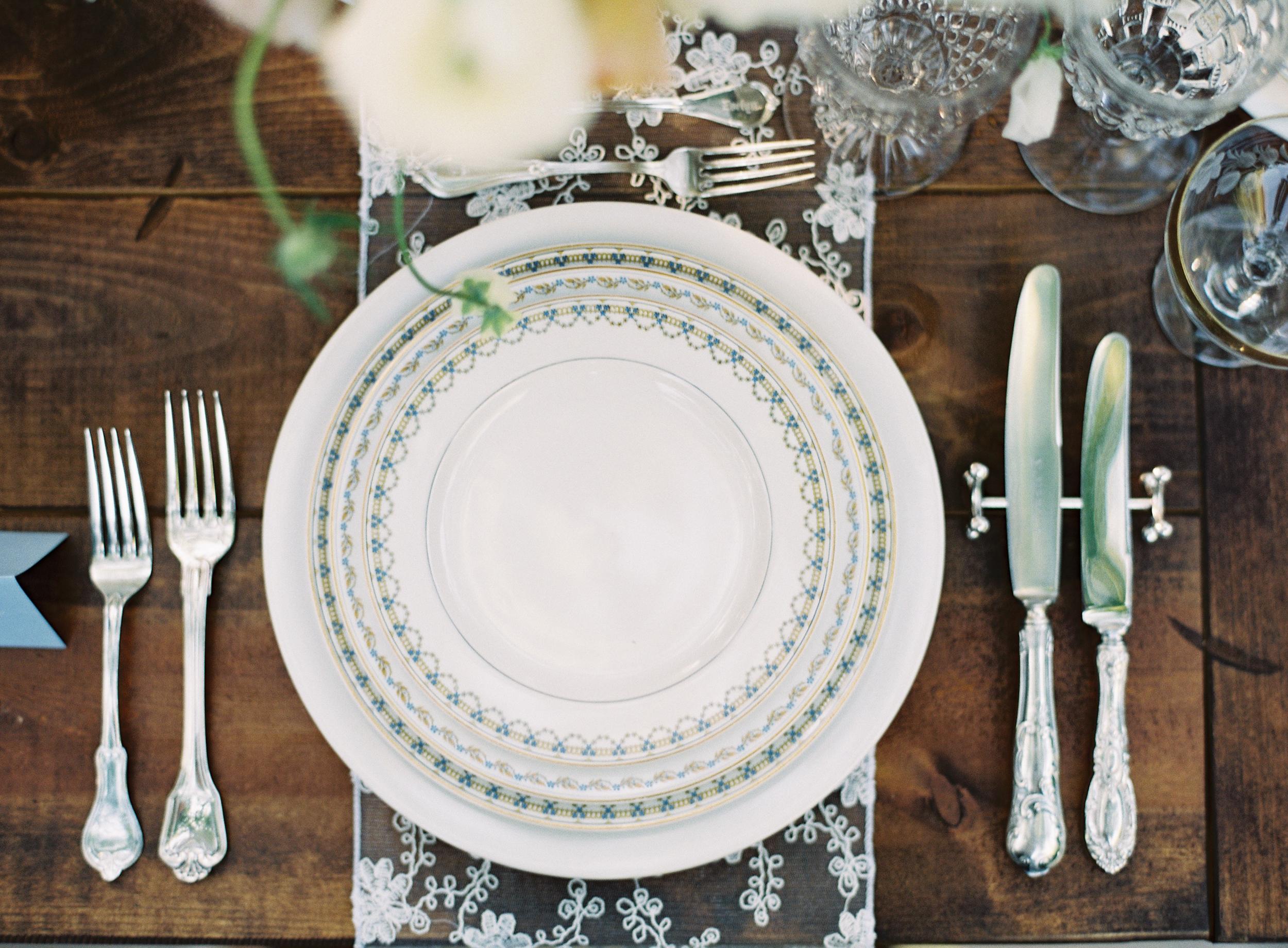 1 Table (10).jpg