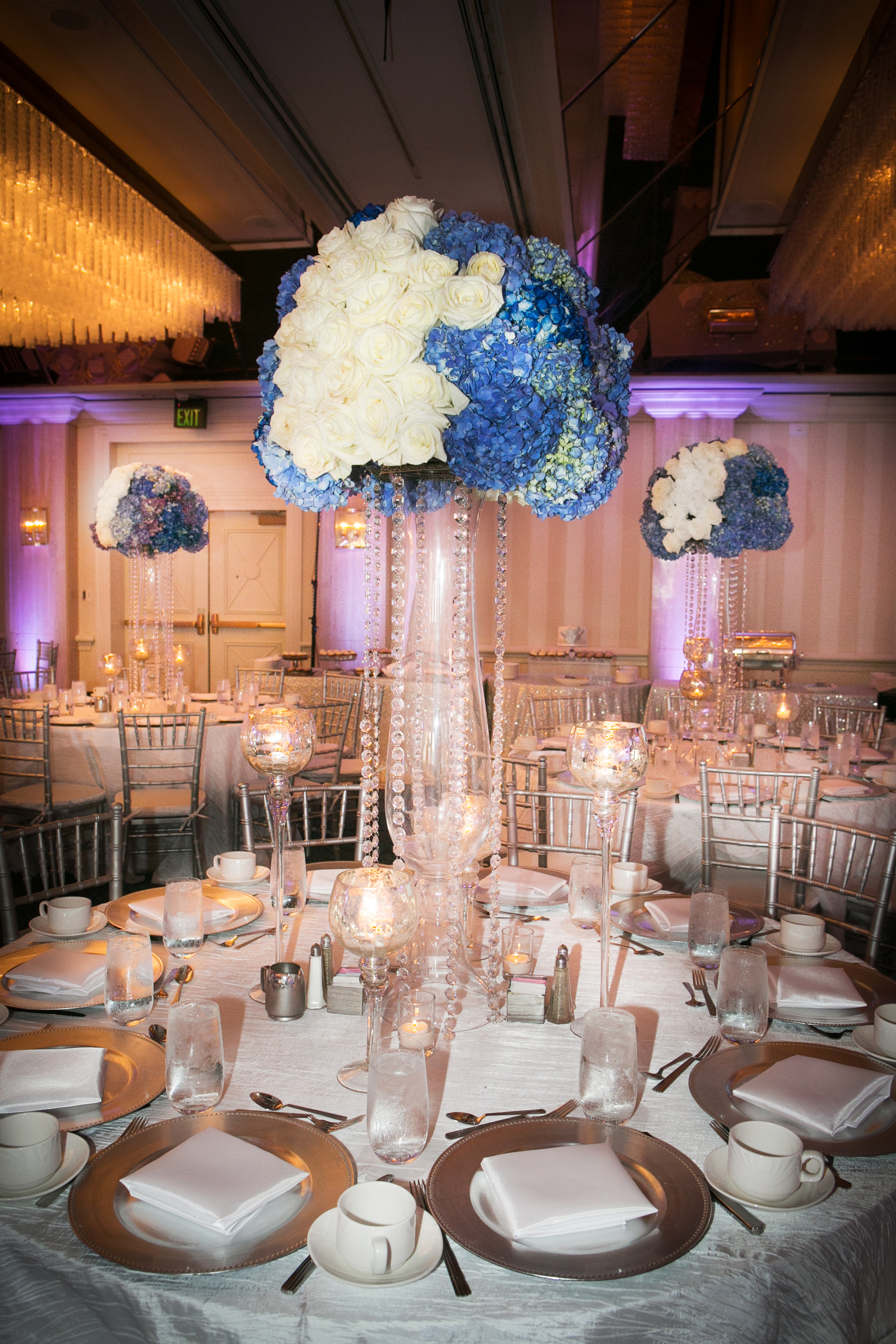 13_White and Blue Centerpiece_ArtQuest Flowers.jpg
