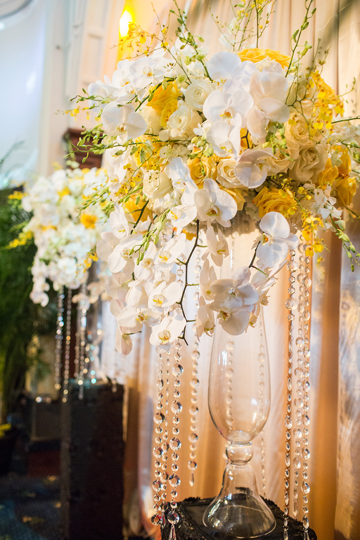 3_White and Yellow ceremony decor.jpg