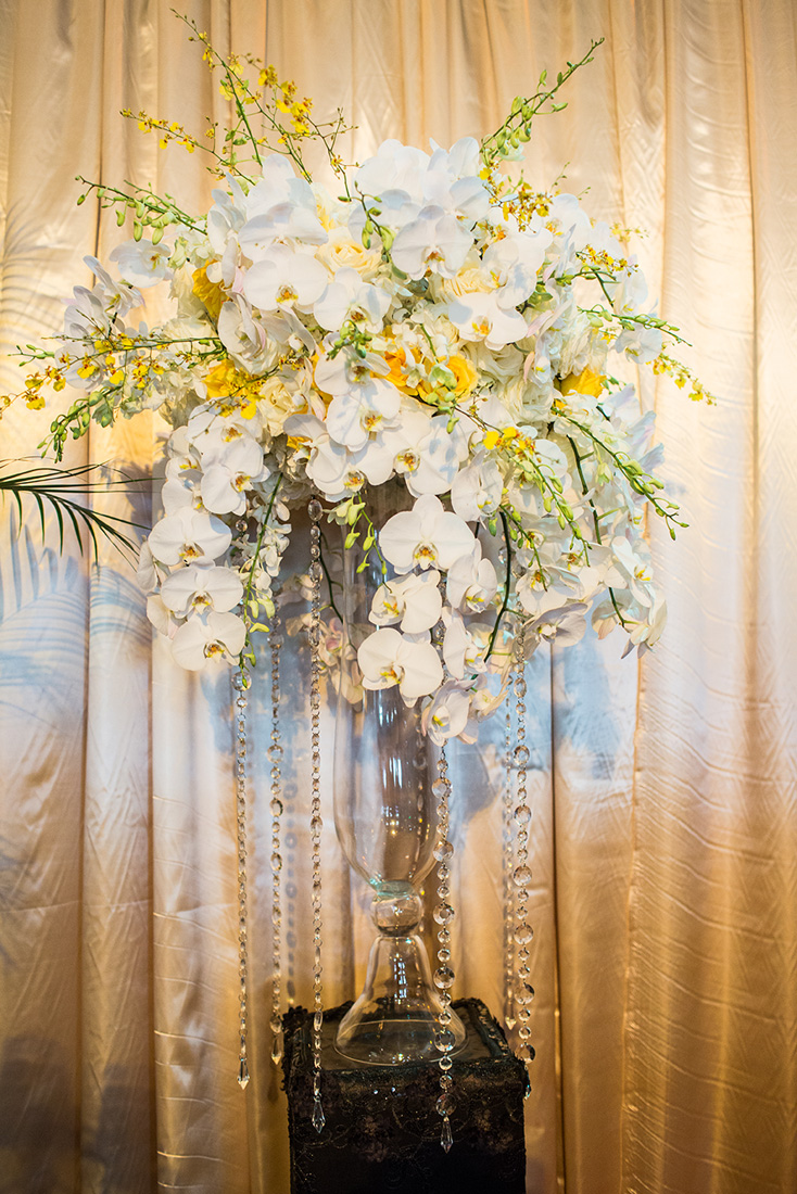 5_White and Yellow centerpiece.jpg