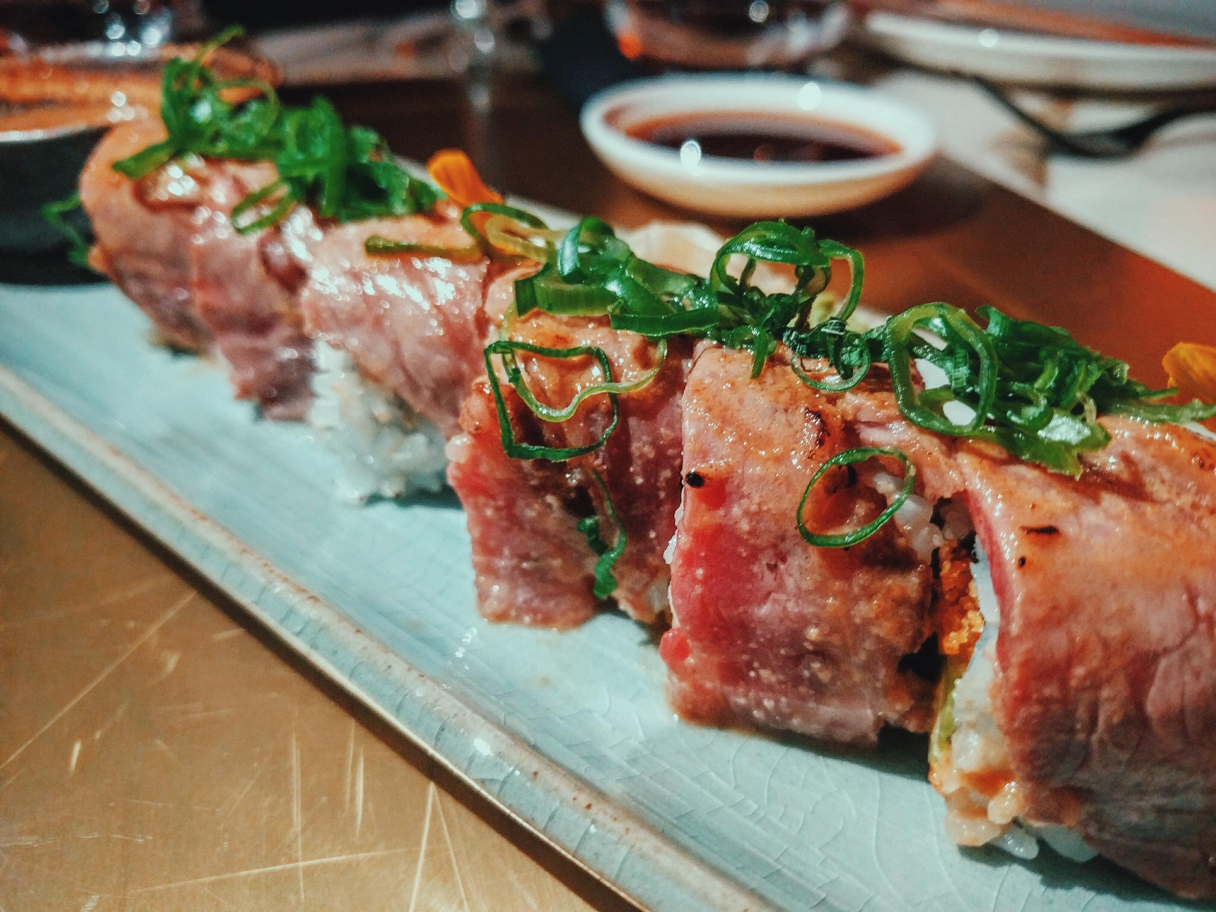 Kobe maki:Seared wagyu + tenkatsu + sesame sauce