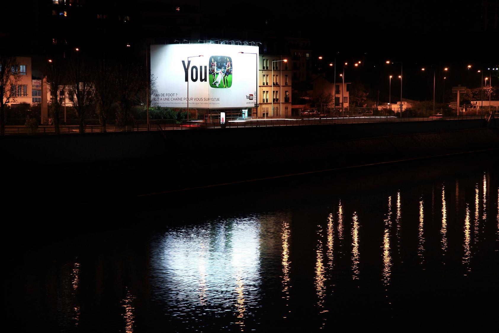 Google Youtube - Quais de Seine - dec 2012.jpg