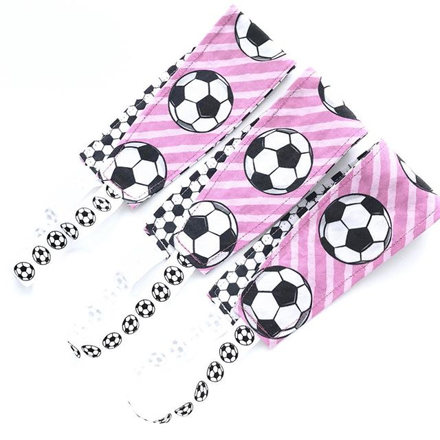 Hey, soccer fans! This reversible headband is in the shop! A row of soccer balls in one side, soccer ball print on the other, and a soccer ball elastic. ⚽️⚽️⚽️⚽️ A great gift for a soccer player, coach, or fan - available in two sizes. . #miloandmolly #headbands #soccergirls #soccerworld #soccertime #soccerislife #soccerball #soccerlover #sportsgear #sportsaccessories