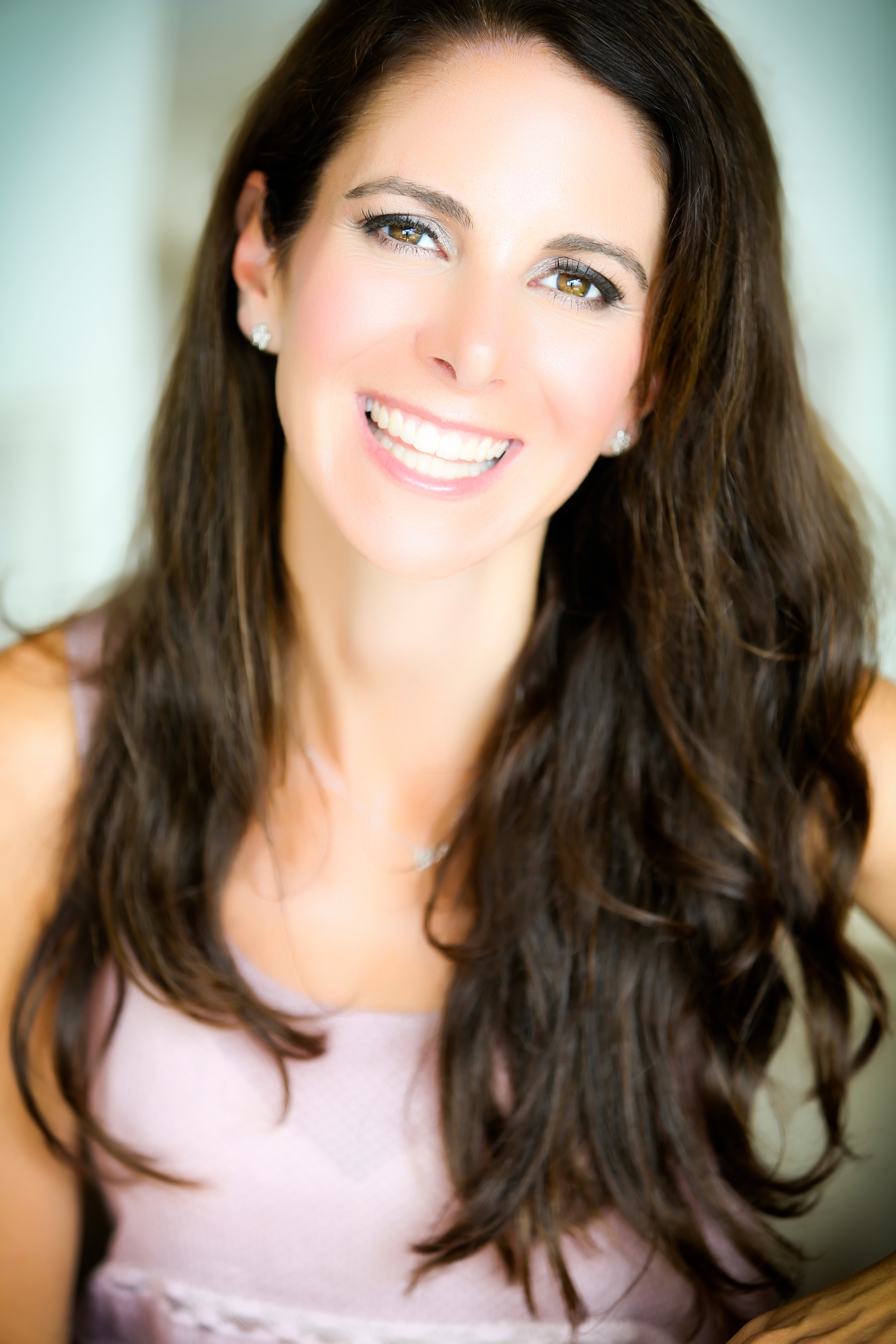 Michelle Provides Sacred Sexuality, Love and Relationship Coaching helping women love, nourish and heal their bodies.