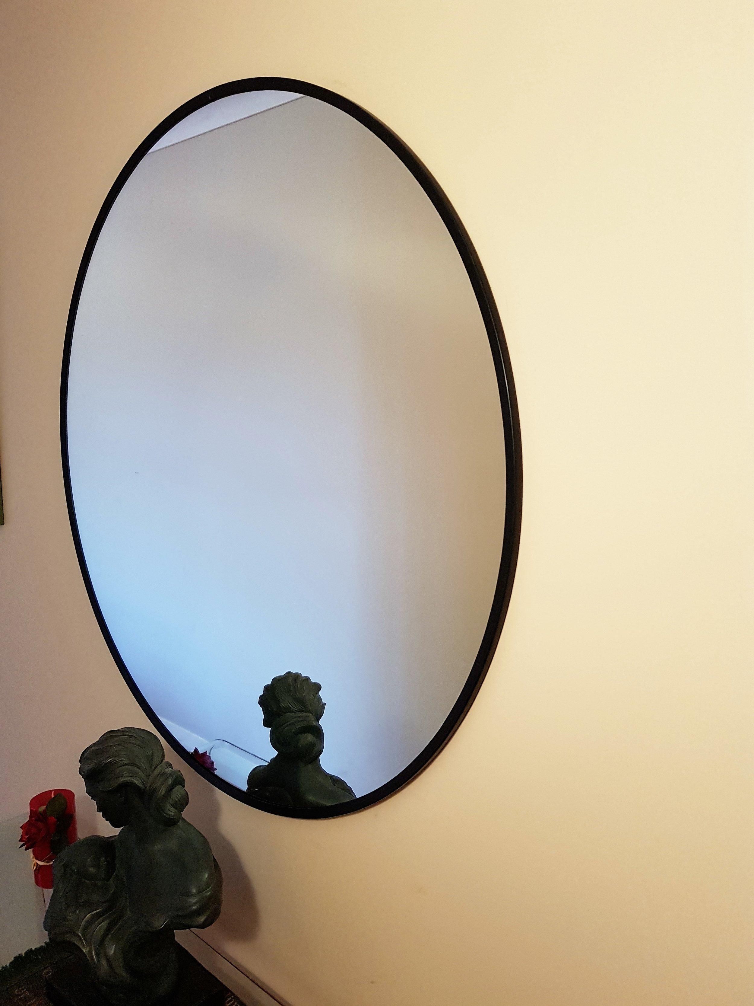 round black edge mirror .jpg